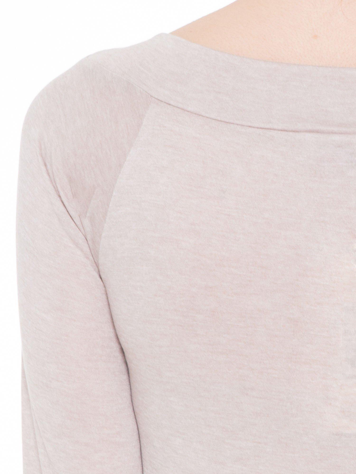 Beżowa gładka bluzka z reglanowymi rękawami                                  zdj.                                  7