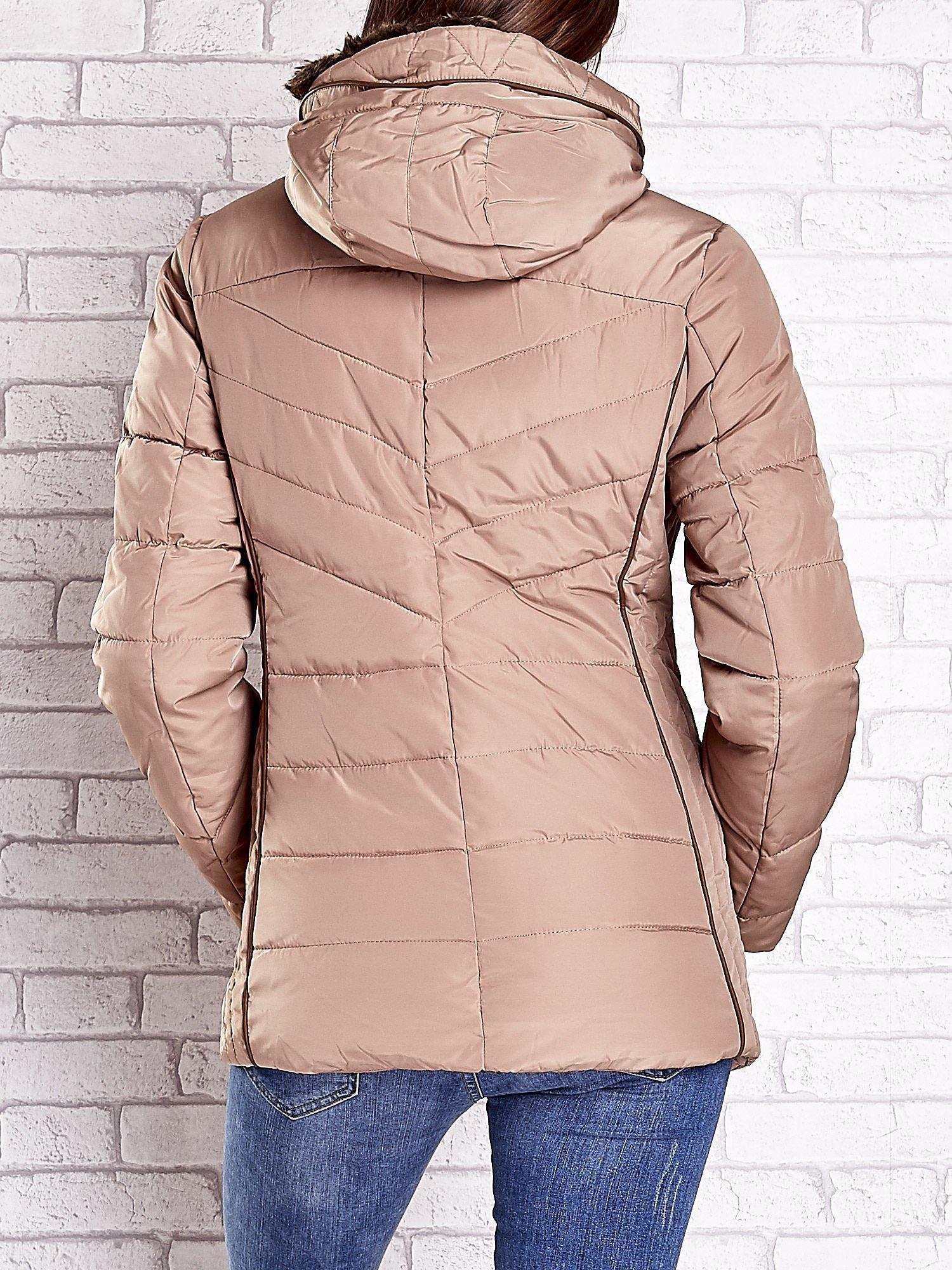 Beżowa kurtka zimowa ze skórzaną lamówką i futrzanym kapturem                                  zdj.                                  6