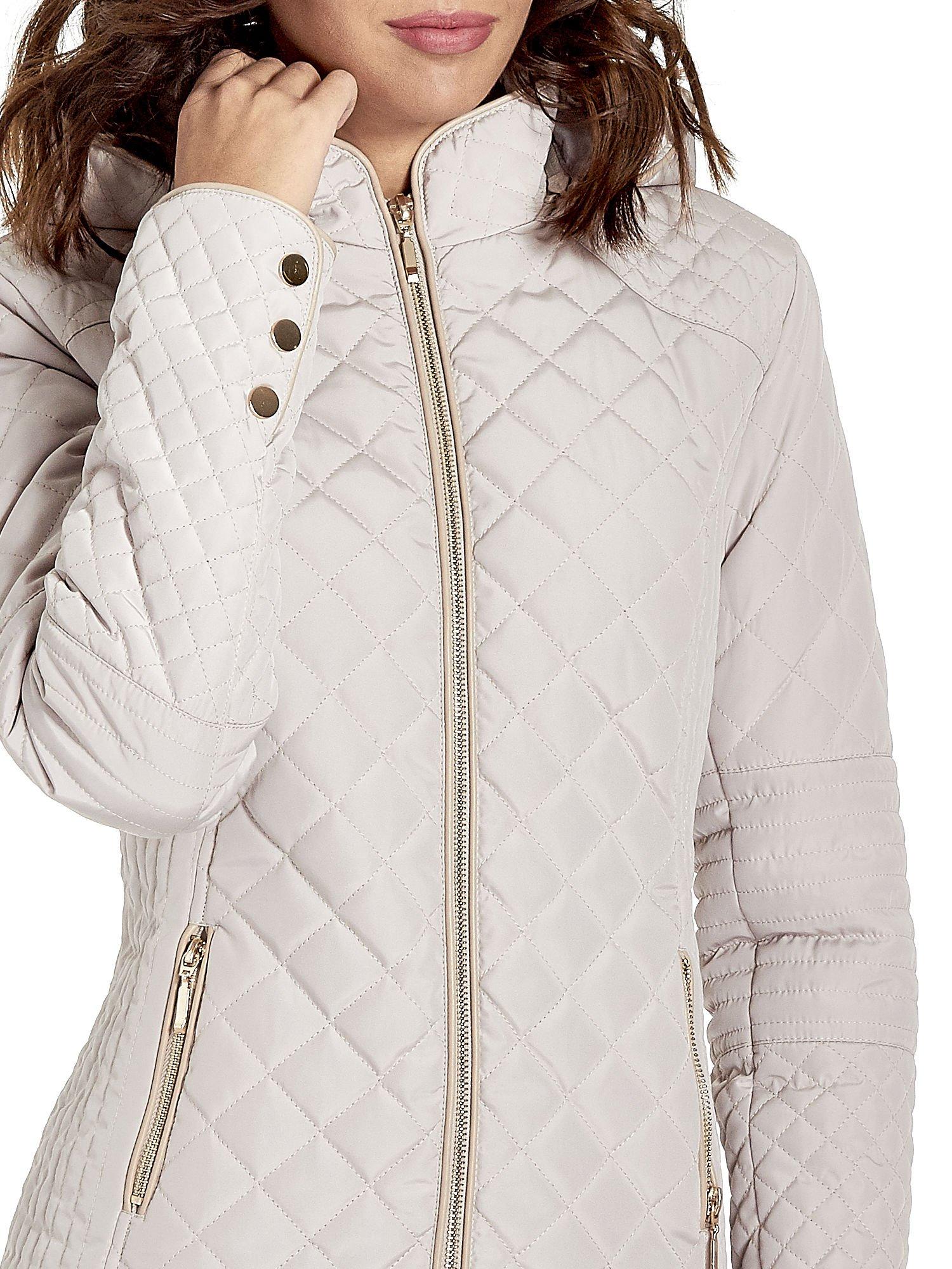 Beżowa pikowana kurtka z kapturem w stylu husky                                  zdj.                                  7
