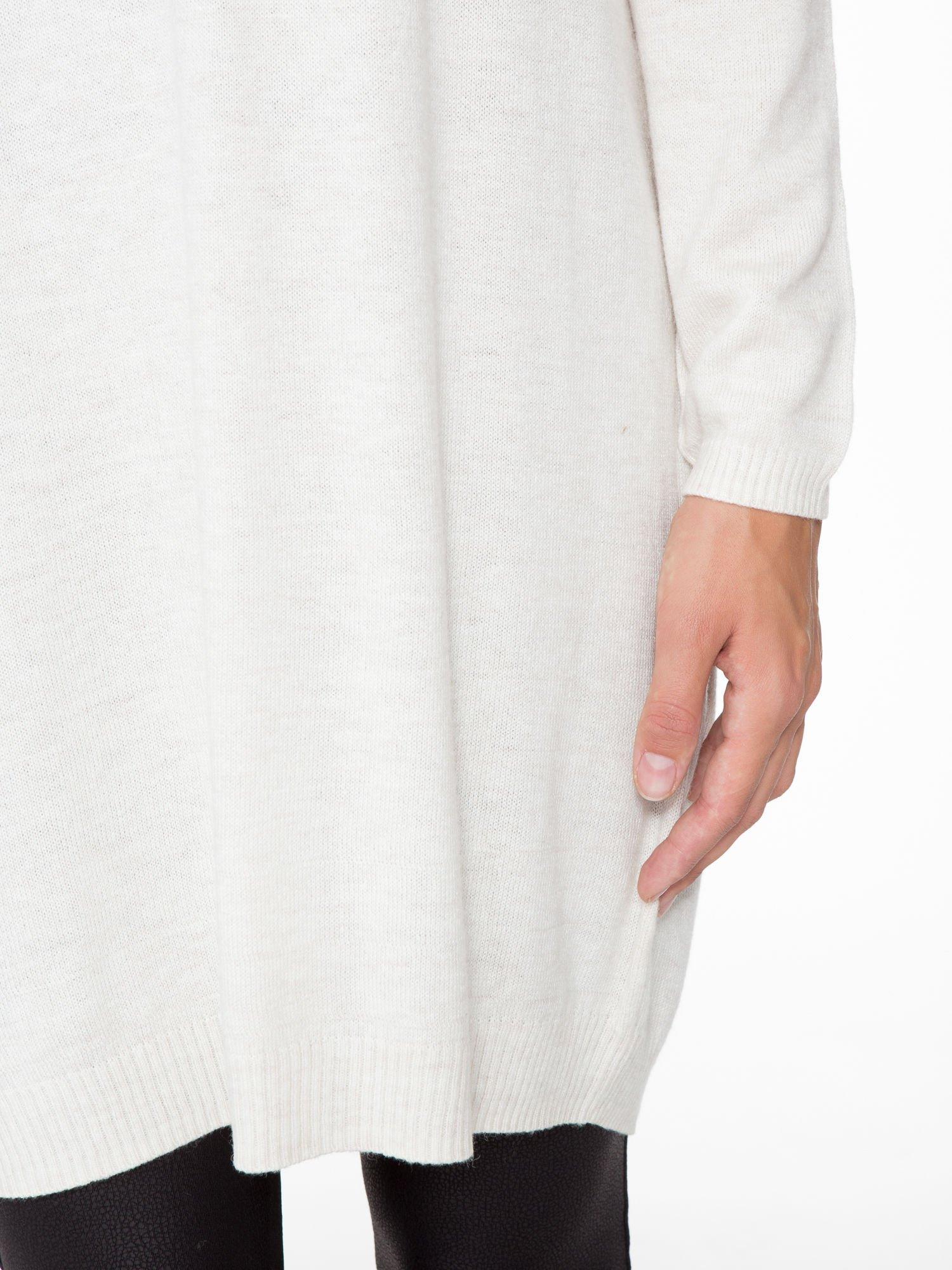 Beżowa prosta dzianinowa sukienka                                  zdj.                                  6