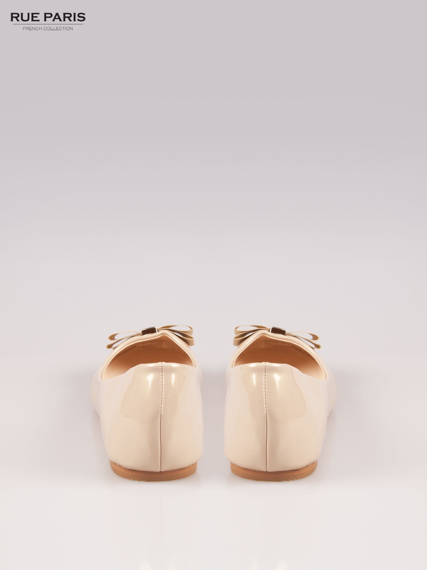 Beżowe błyszczące balerinki faux leather Melanie z kokardką                                  zdj.                                  3