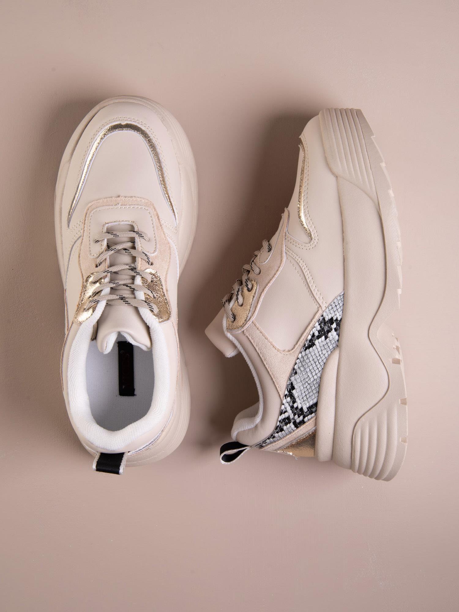 buty z podwyższenie w środku damskie