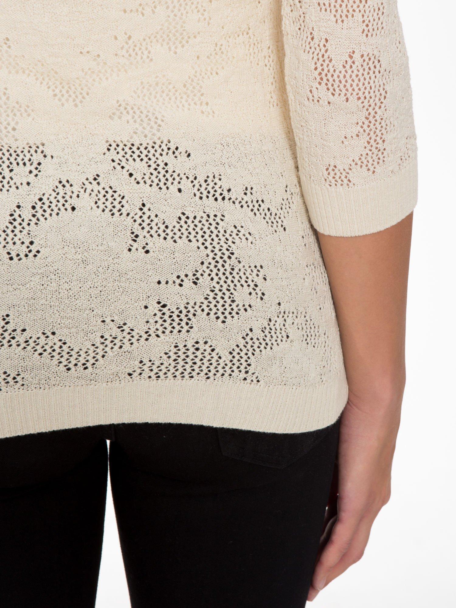 Beżowy ażurowy sweter z rękawami 3/4                                  zdj.                                  9