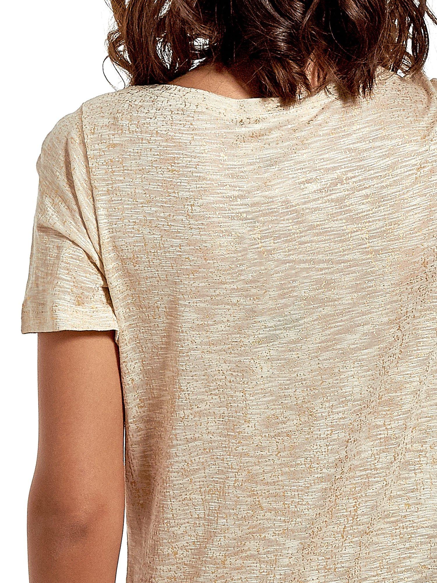 Beżowy t-shirt w złote plamki                                  zdj.                                  6