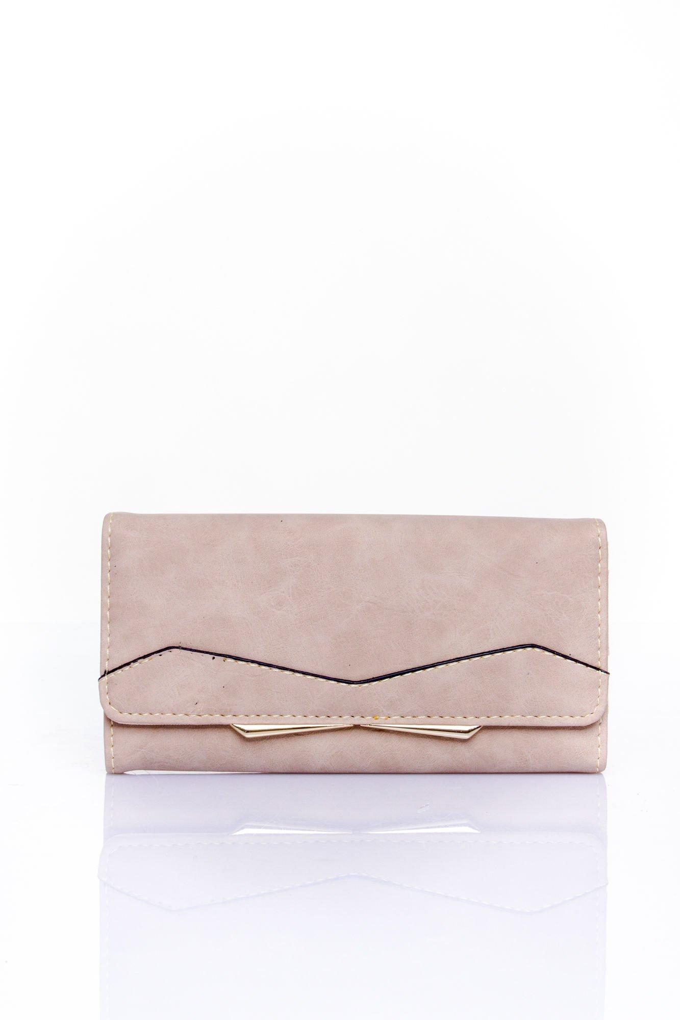 Beżowy zamszowy portfel z geometrycznym motywem                                  zdj.                                  1