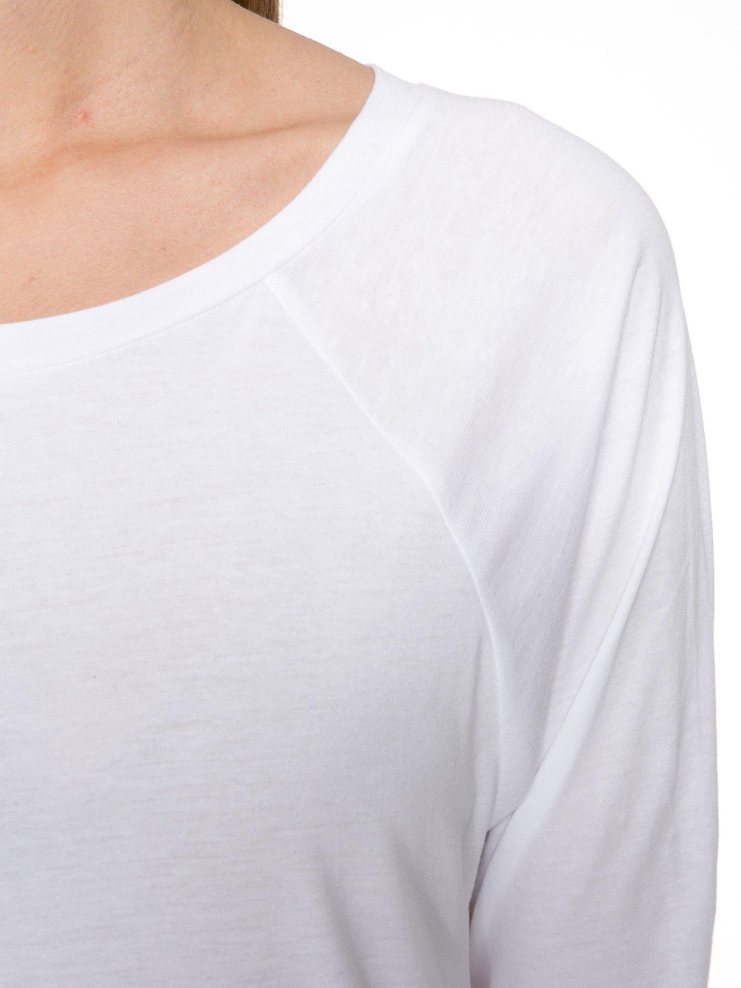 Biała bawełniana bluzka z rękawami typu reglan                                  zdj.                                  5