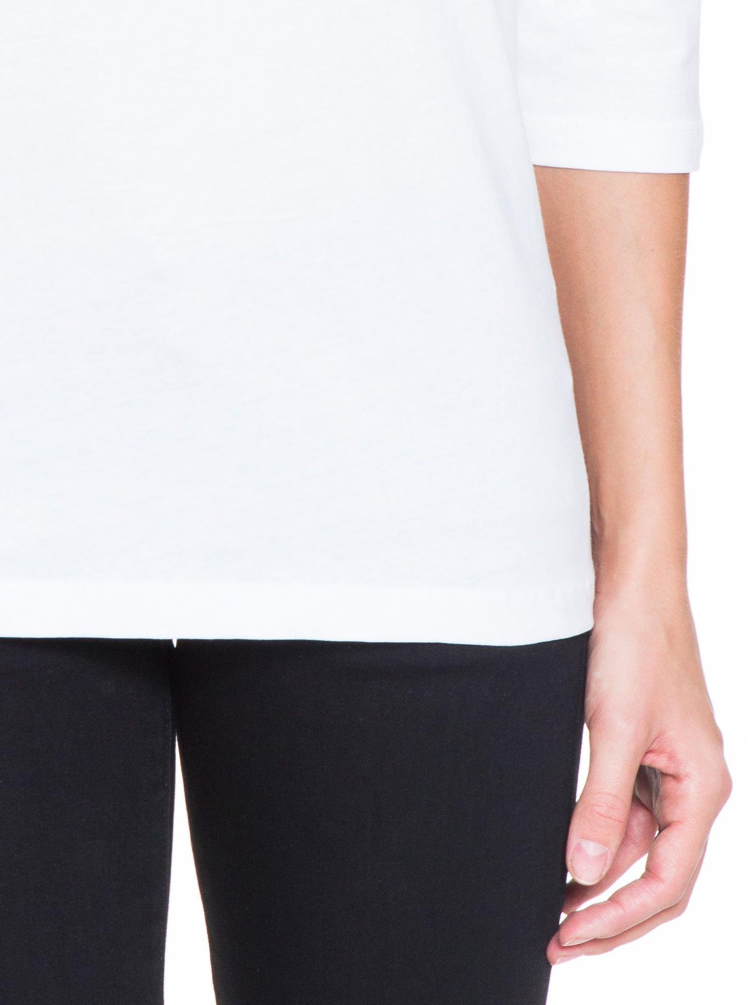 Biała bluzka z koronkową wstawką na ramionach                                  zdj.                                  5