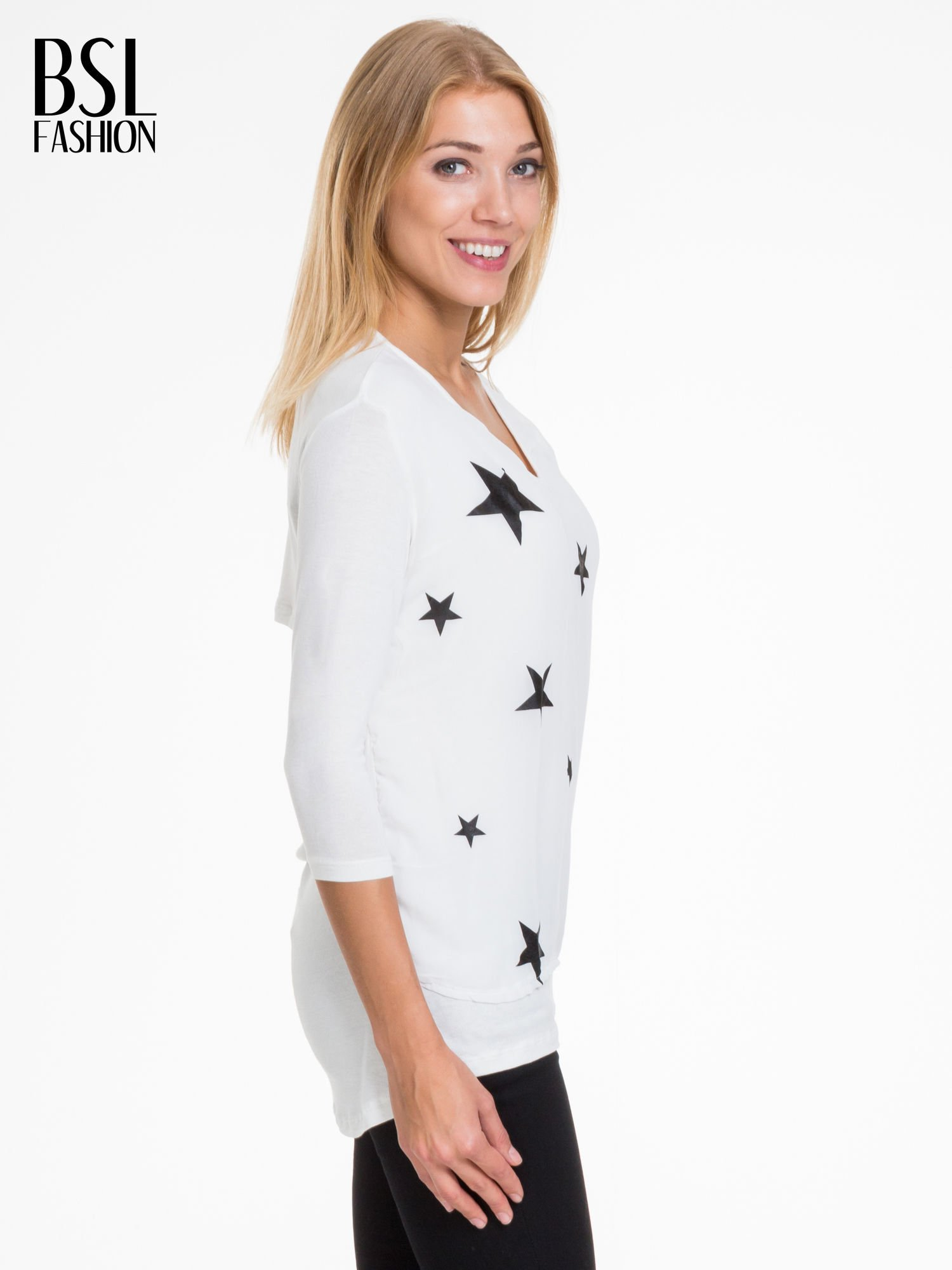 Biała bluzka z nadrukiem czarnych gwiazdek                                  zdj.                                  3