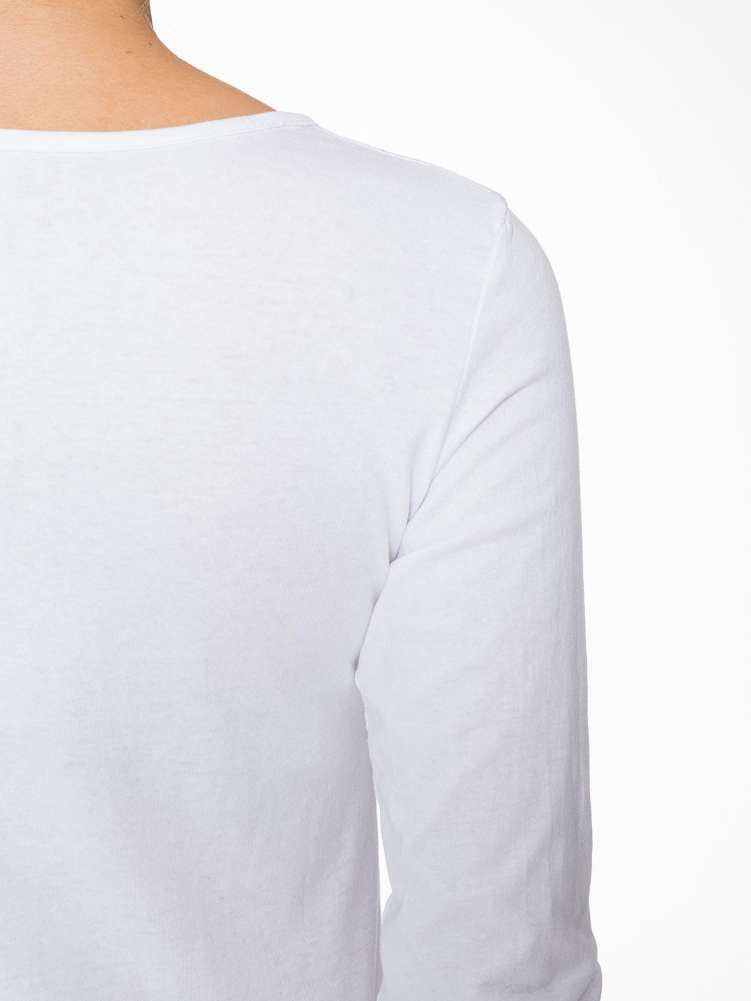 Biała bluzka z nadrukiem pandy                                  zdj.                                  9