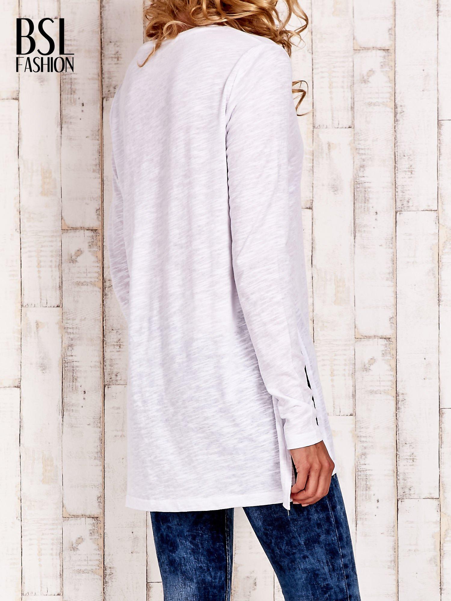 Biała bluzka z rozporkami z boku                                  zdj.                                  4
