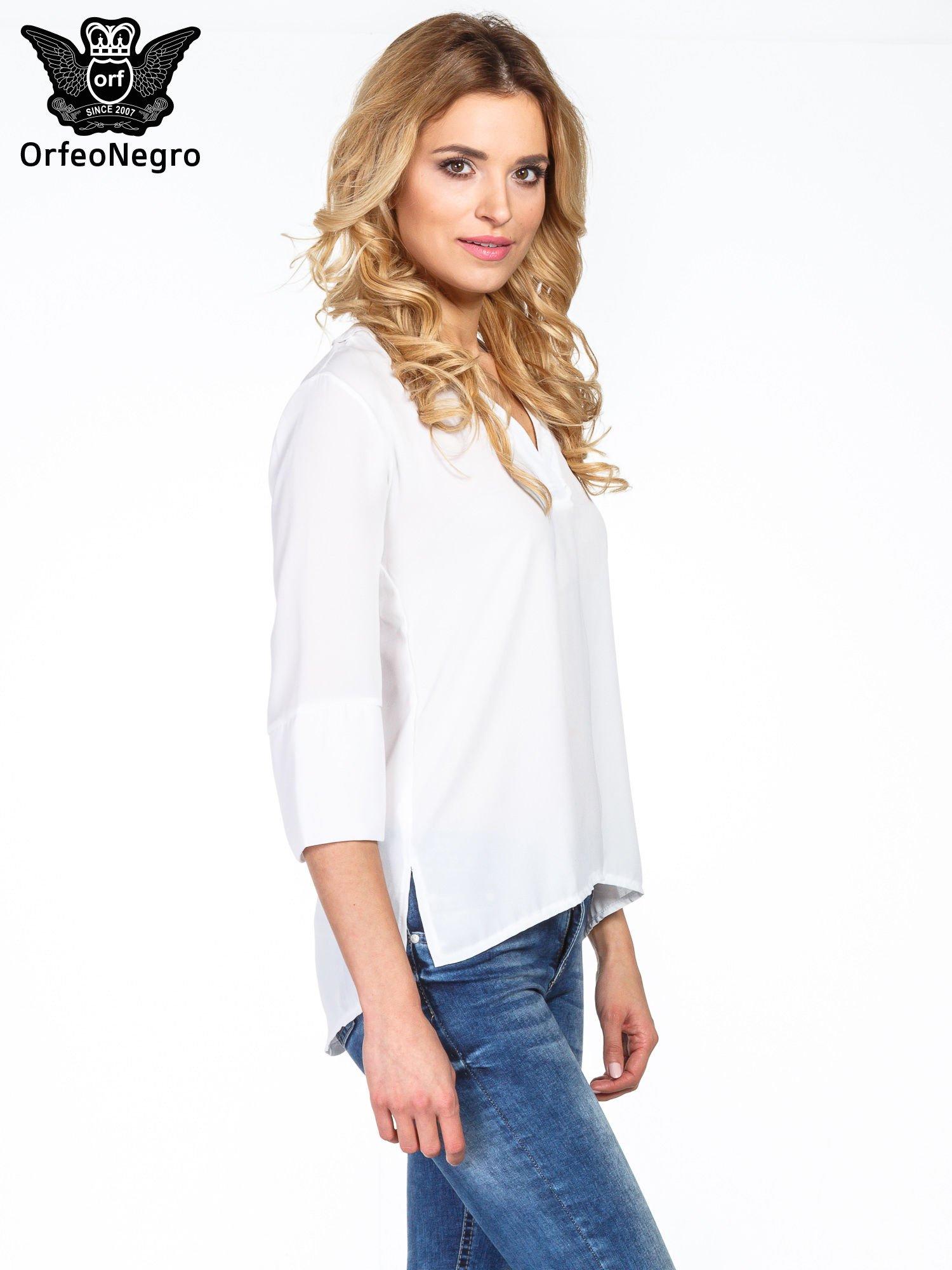 Biała koszula z dłuższym tyłem i rękawkami 3/4                                  zdj.                                  3