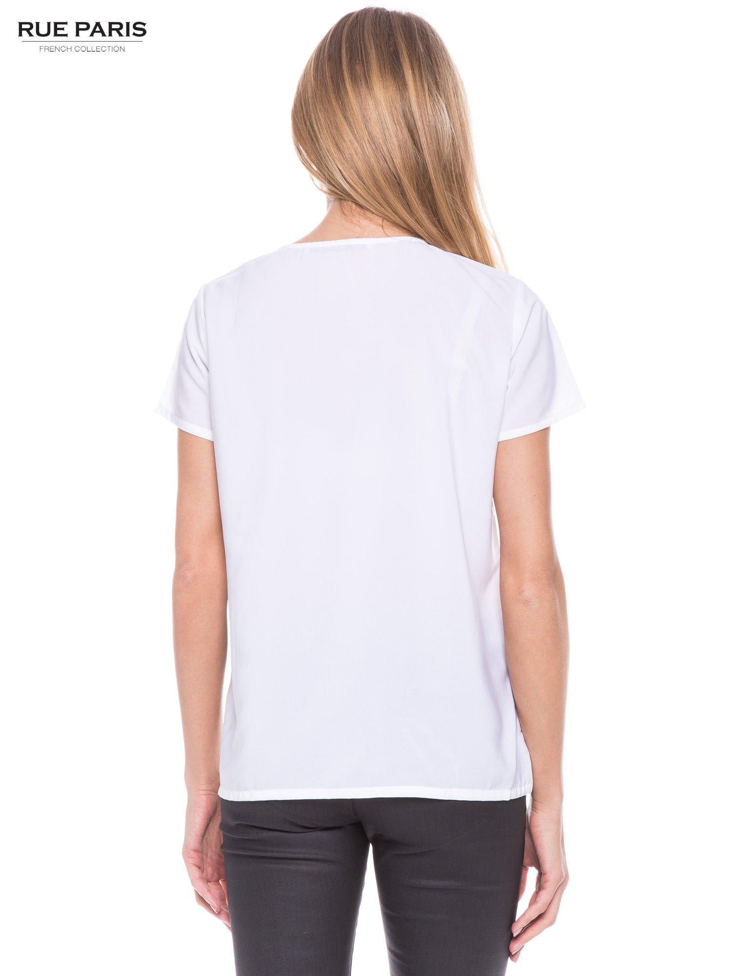 Biała koszula ze złotymi ćwiekami na ramionach                                  zdj.                                  3