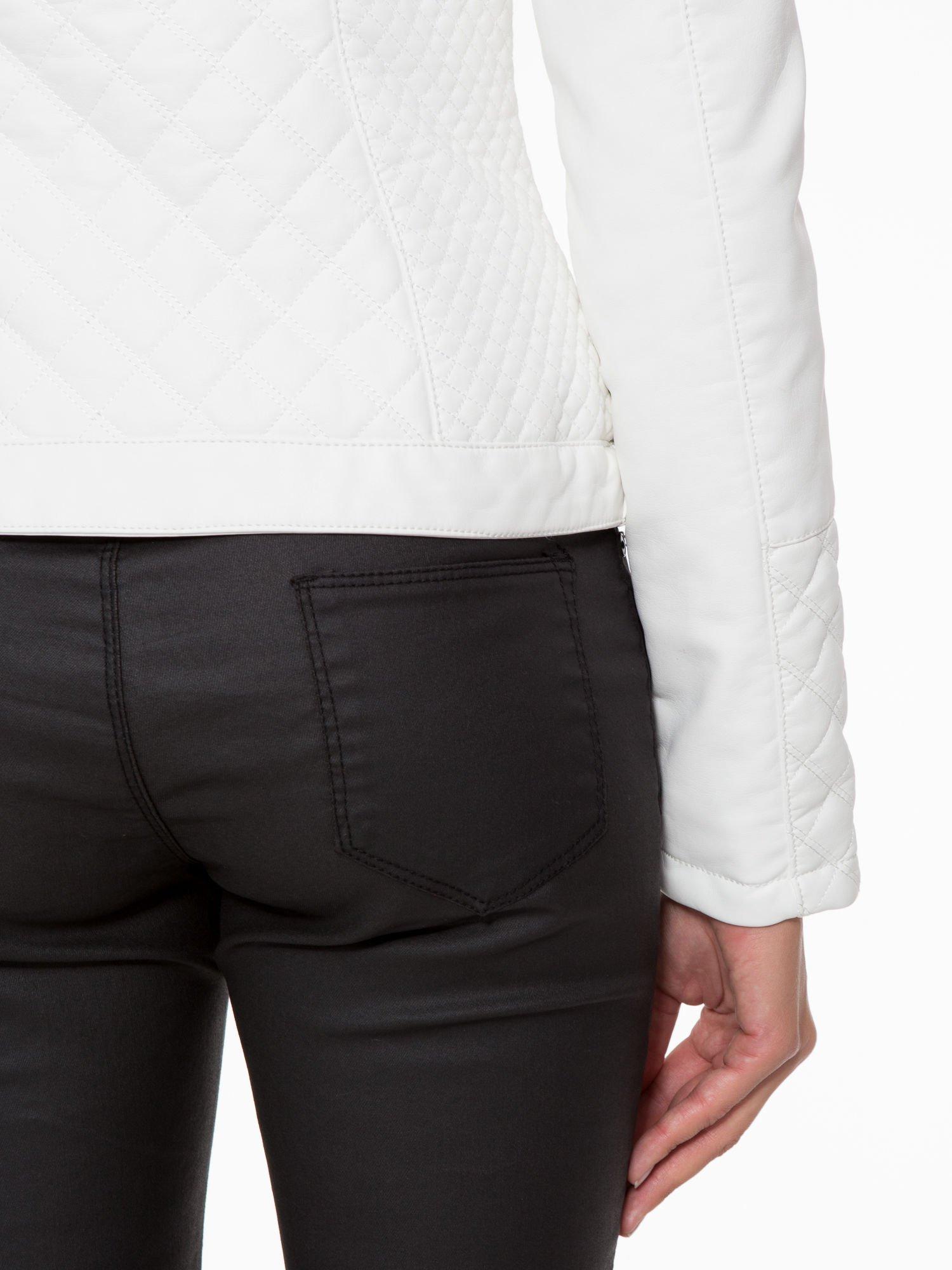 Biała pikowana kurtka ze skóry                                  zdj.                                  10