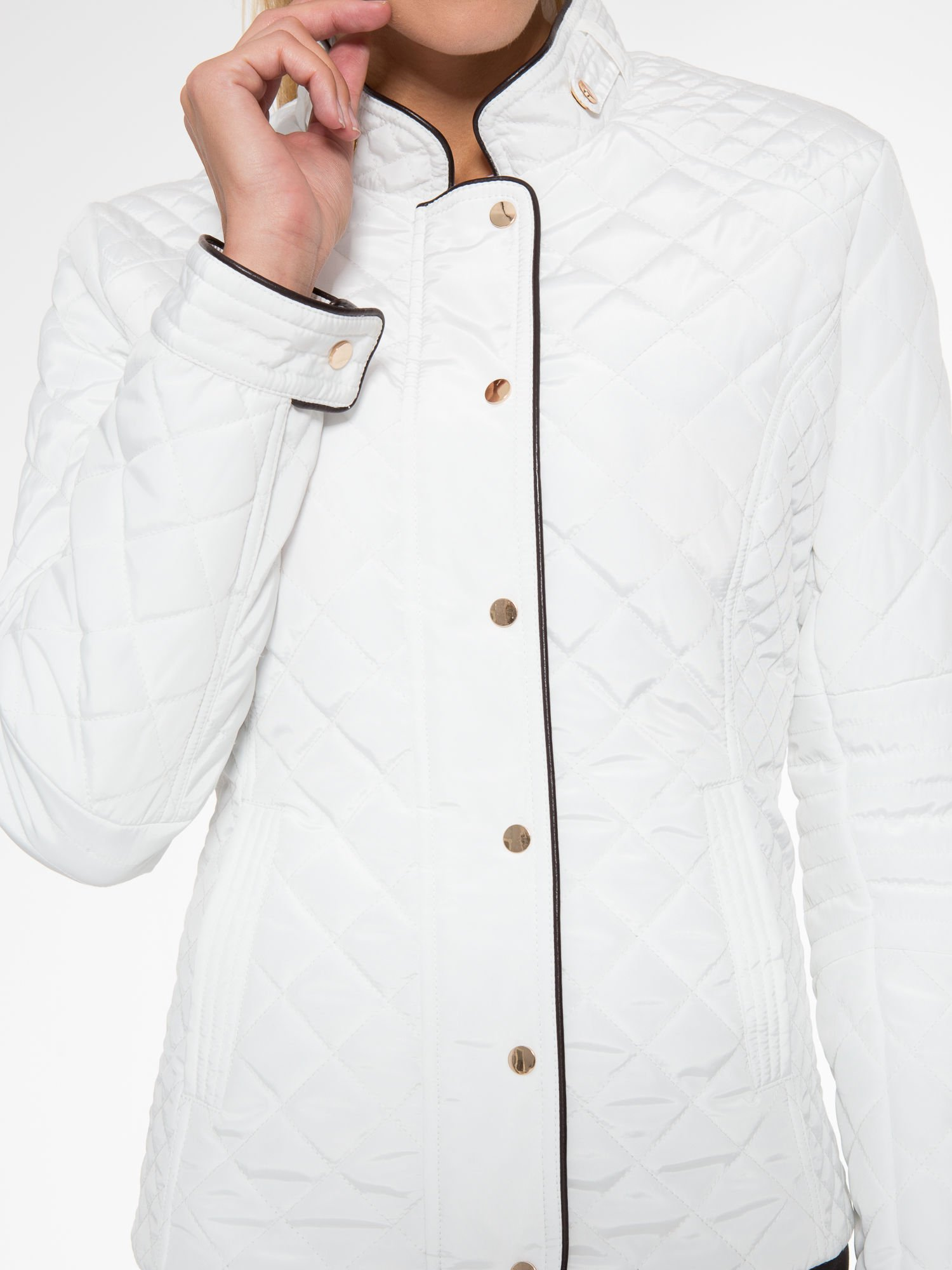 Biała pikowana kurtka ze skórzaną lamówką                                  zdj.                                  12