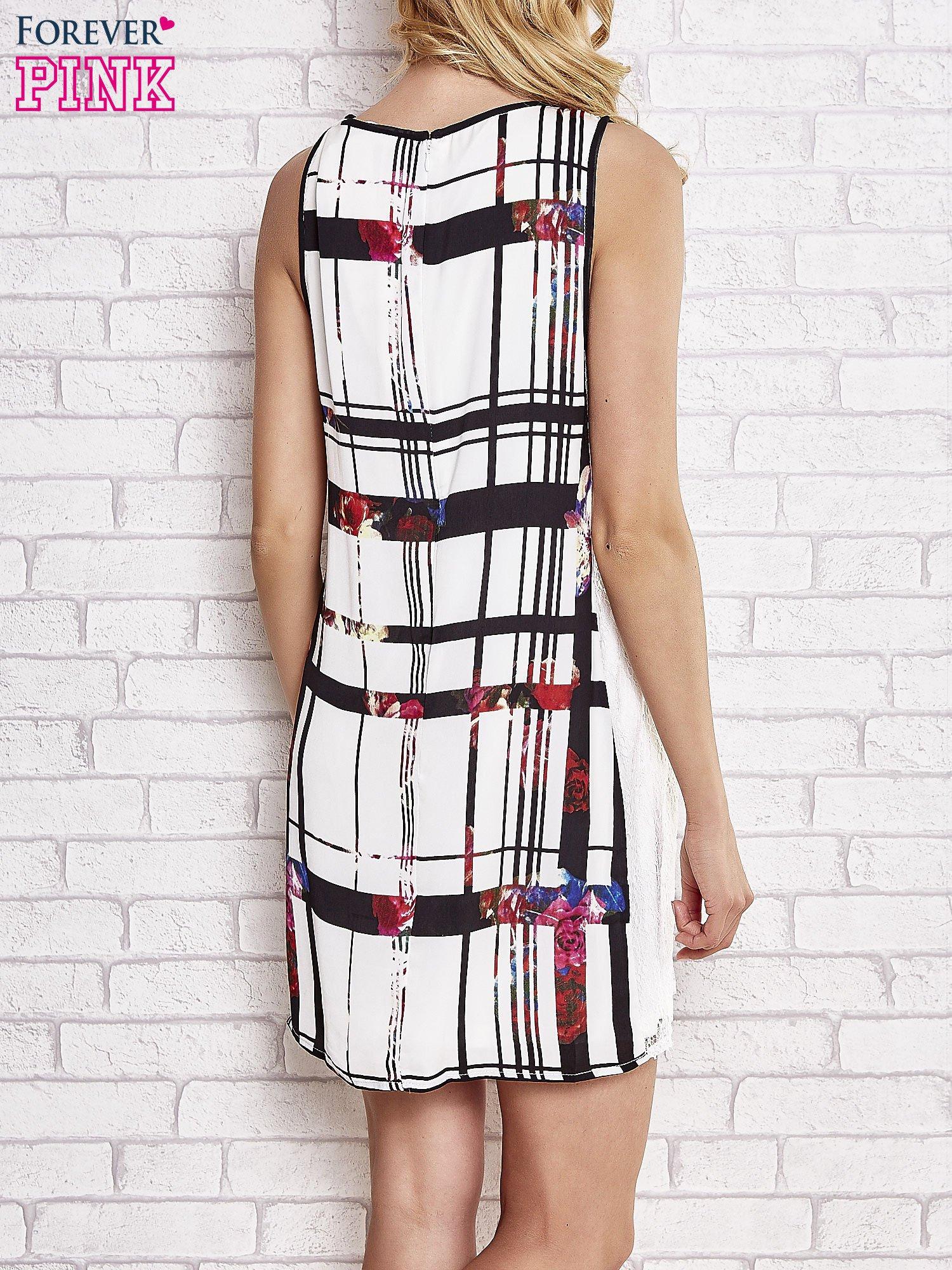 Biała sukienka w kratę ze wstawką z koronki                                  zdj.                                  2