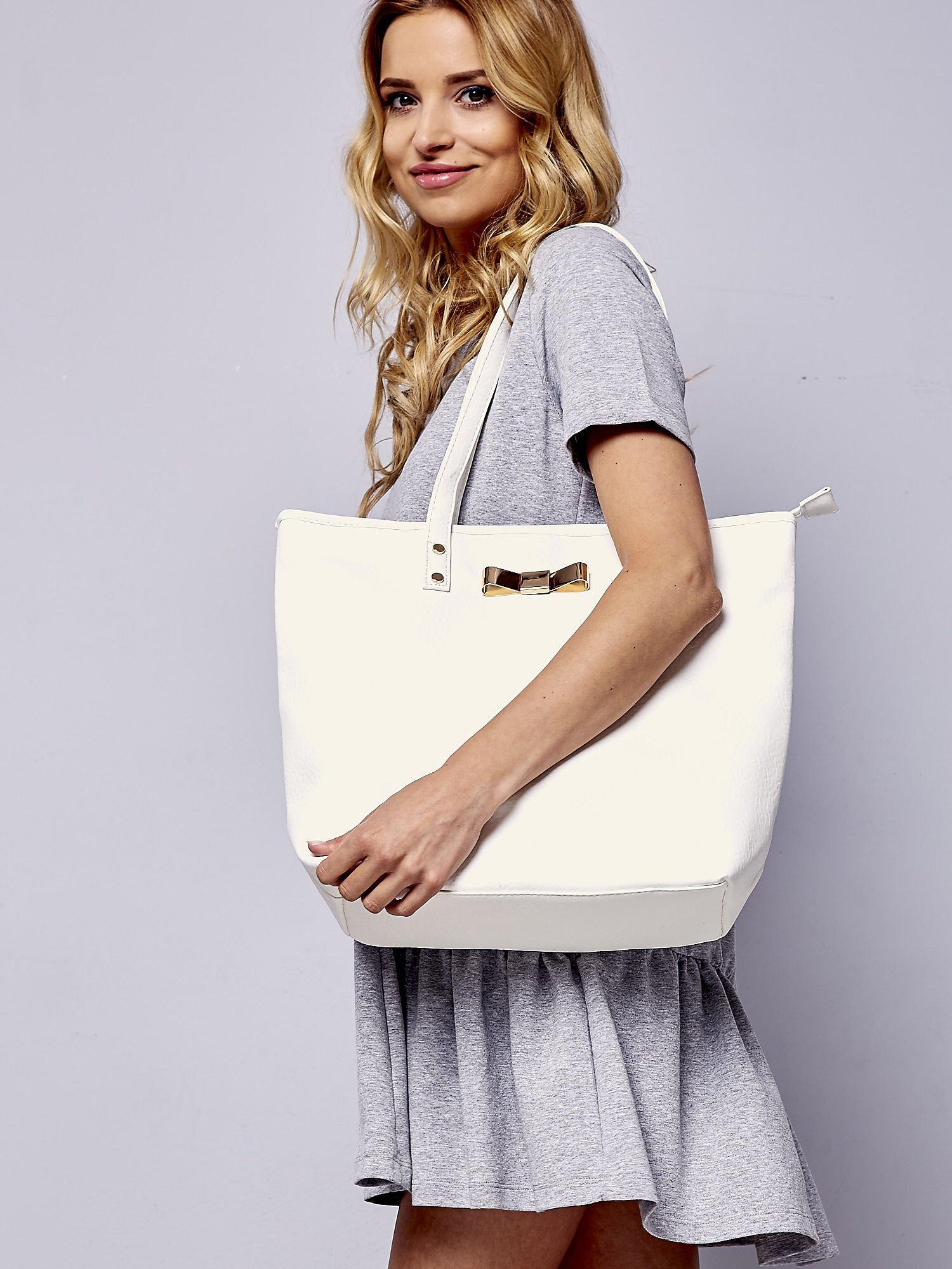 Biała torebka shopper bag z kokardką                                  zdj.                                  2