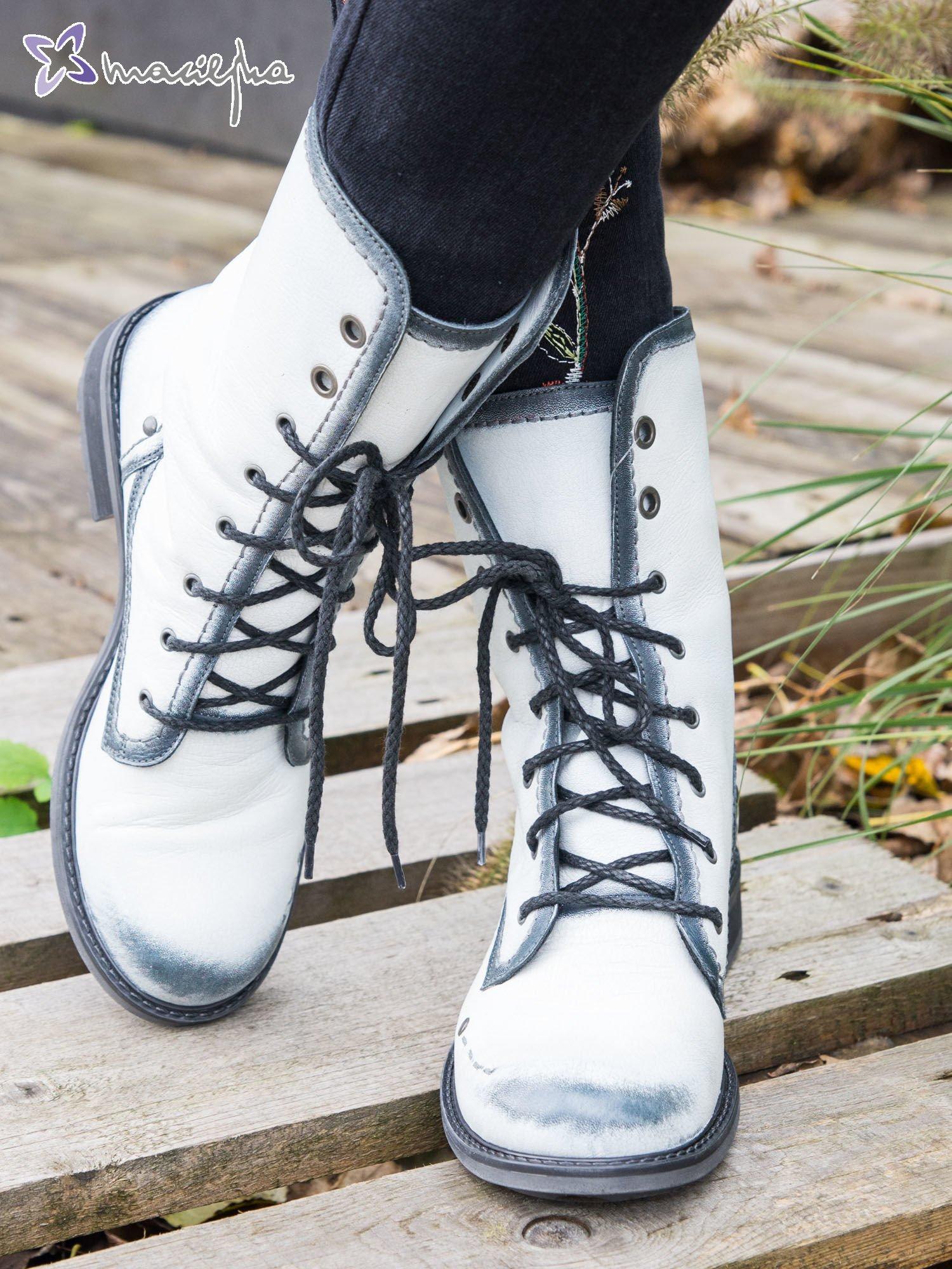ea5591a8f0e33 Białe cieniowane botki Maciejka ze skóry z ozdobnymi przetarciami ...