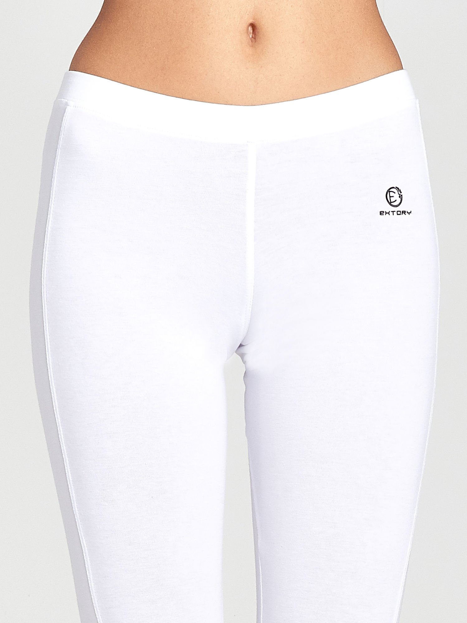 Białe legginsy sportowe z drapowaniem                                  zdj.                                  4