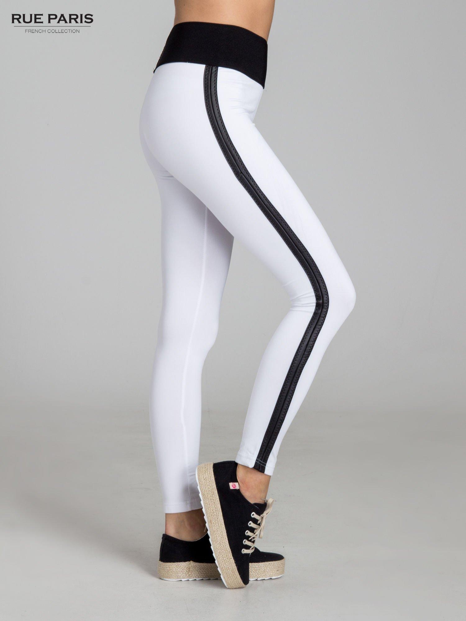 Białe legginsy ze skórzanymi lampasami po bokach                                  zdj.                                  3