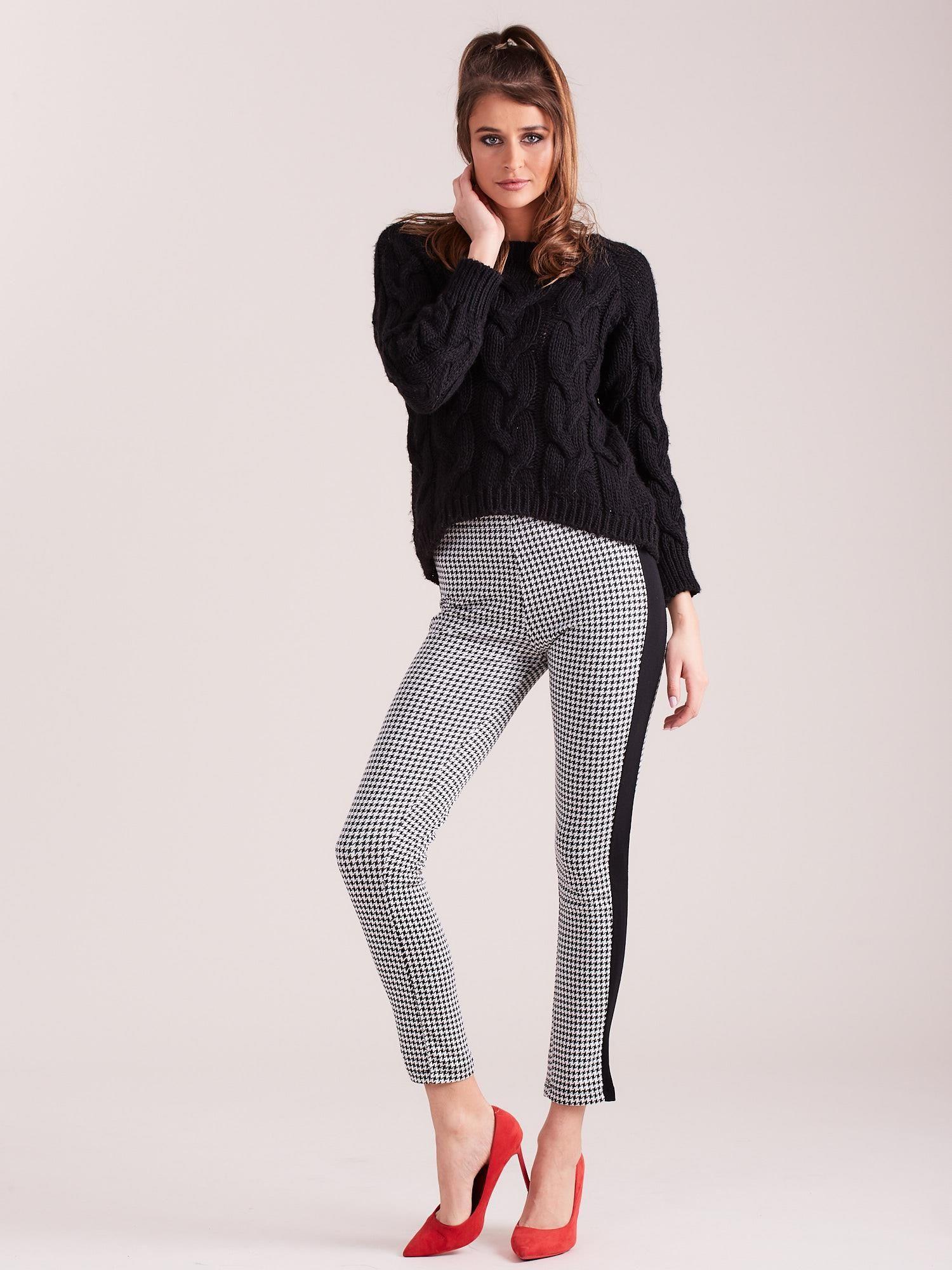 dfea742fe62e82 Biało-czarne legginsy w pepitkę z lampasem - Spodnie legginsy ...