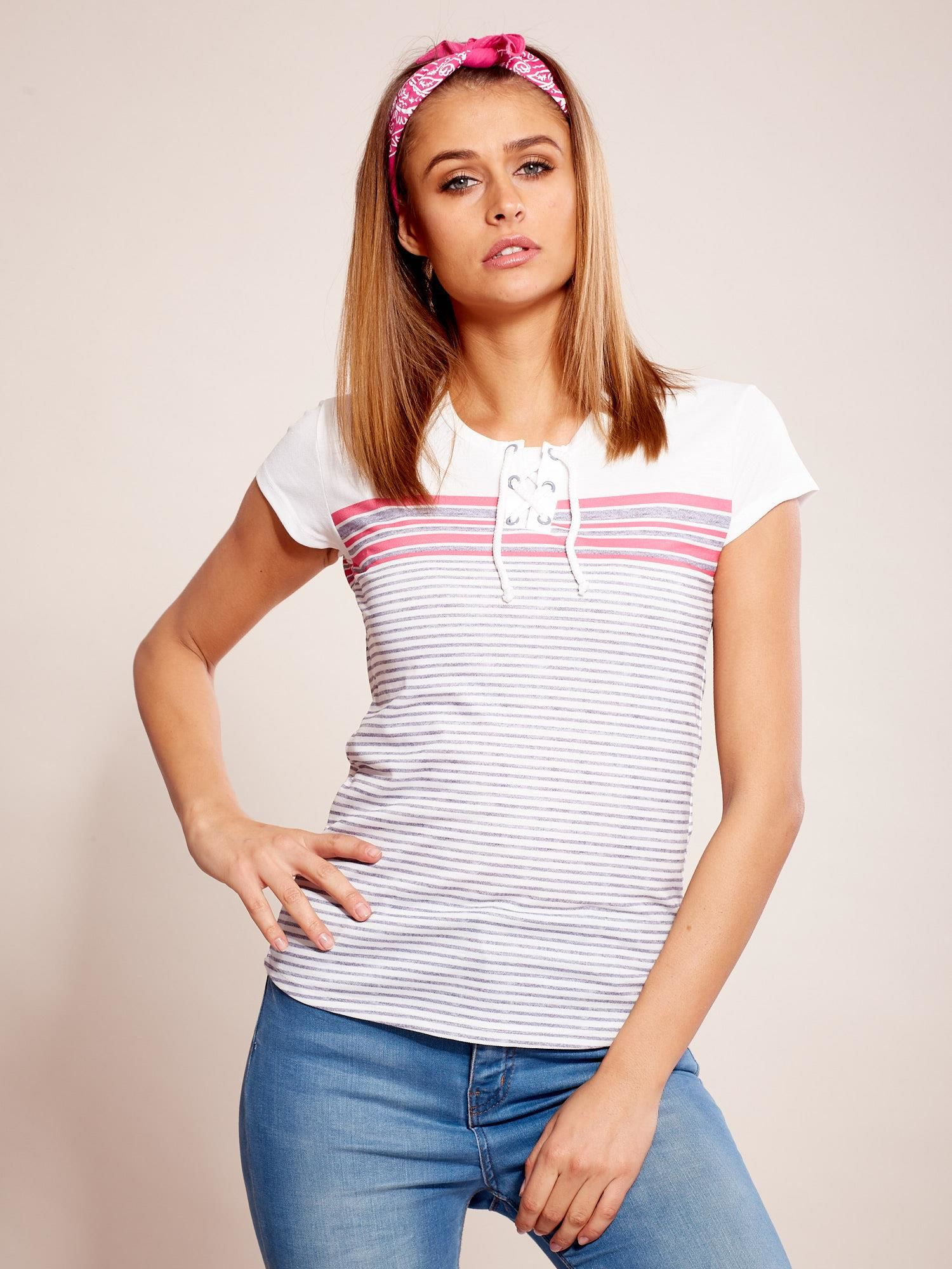 f3618b8c101b9 Biało-szary t-shirt w paski - T-shirt z nadrukiem - sklep eButik.pl