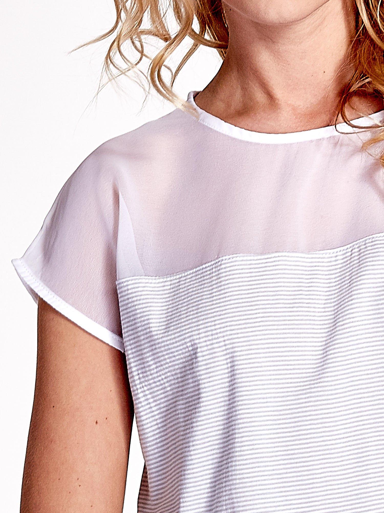 Biało-szary t-shirt z tiulowym wykończeniem                                  zdj.                                  5
