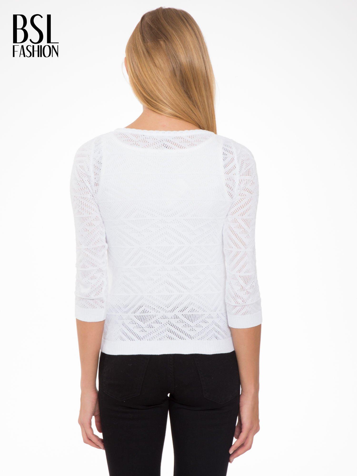 Biały ażurowy sweter kardigan na guziki                                  zdj.                                  4