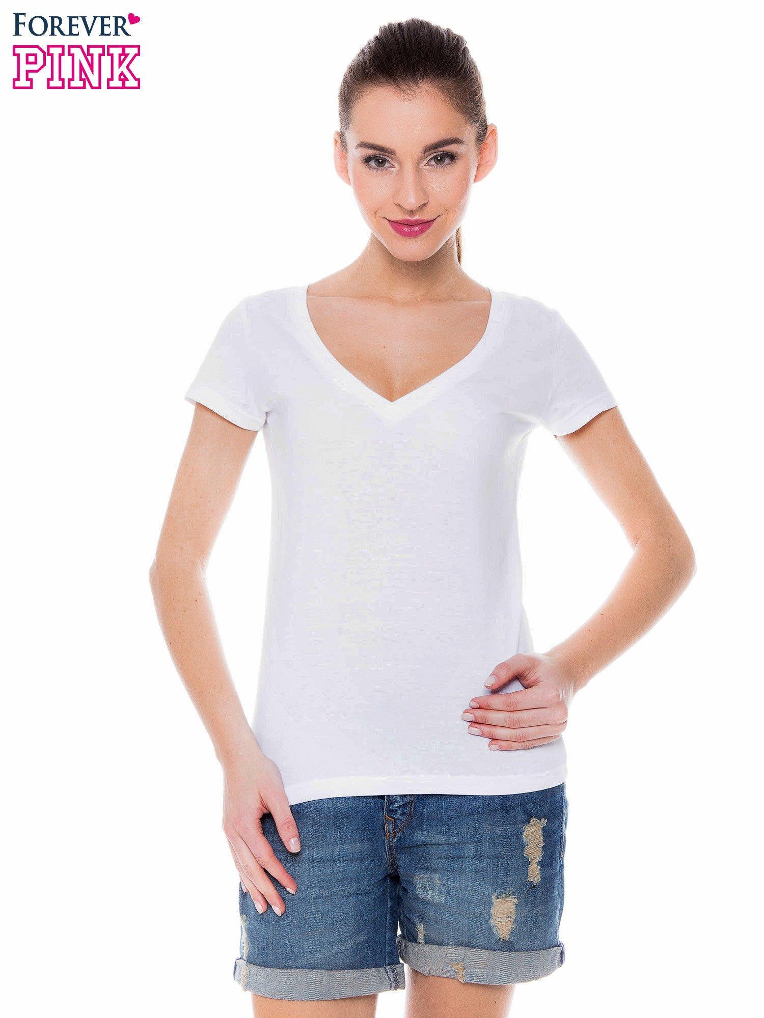 Biały basicowy t-shirt z dekoltem w serek                                  zdj.                                  1