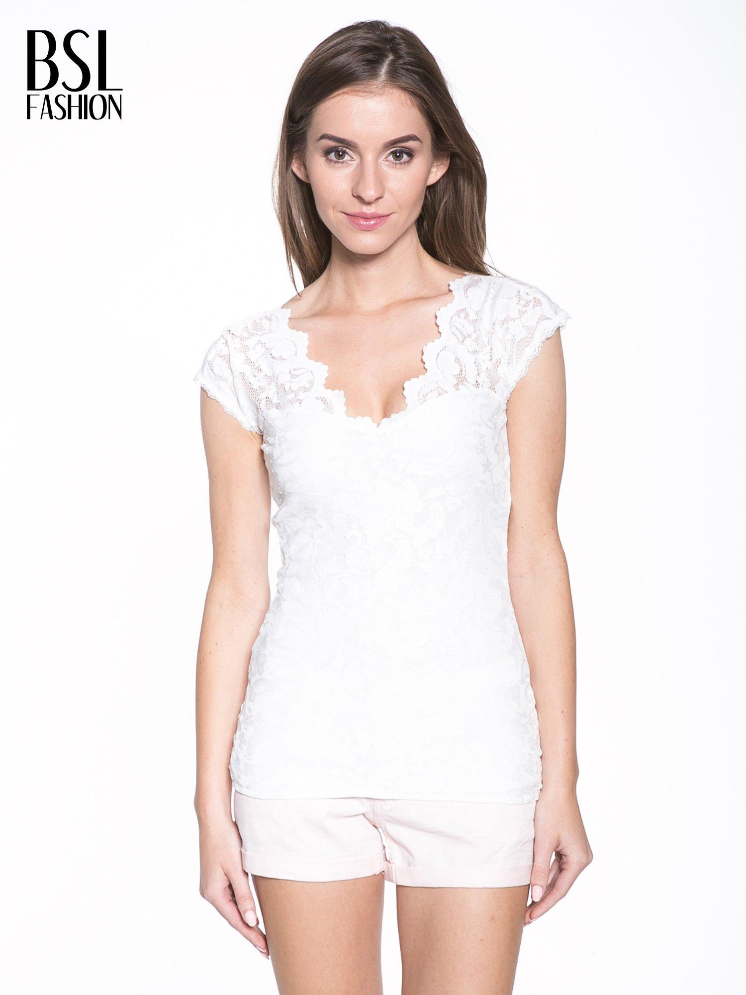 Biały koronkowy t-shirt z głębokim dekoltem                                  zdj.                                  1