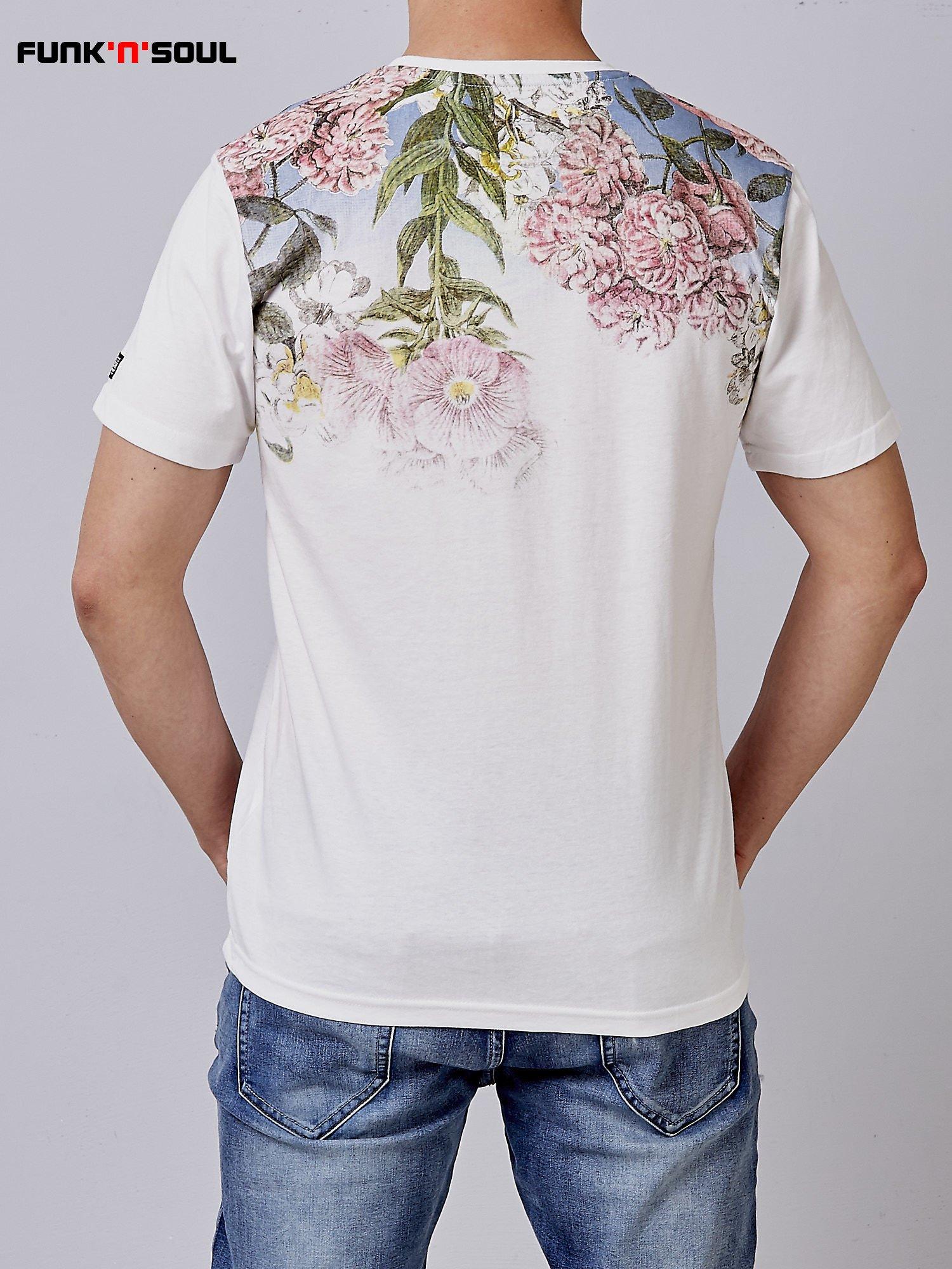 Biały t-shirt męski hipster w kwiaty Funk n Soul                                  zdj.                                  3