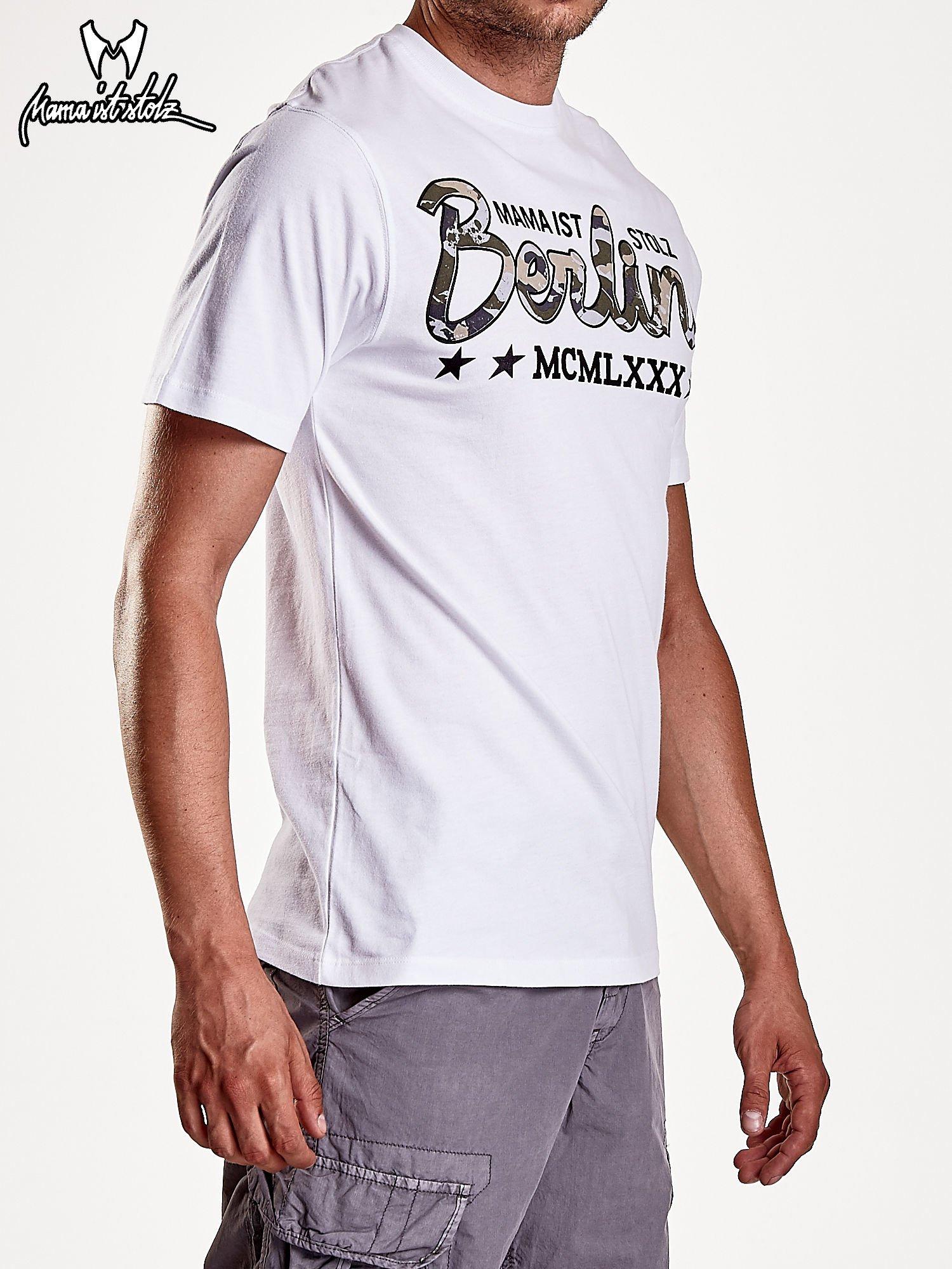 Biały t-shirt męski z nadrukiem moro                                  zdj.                                  5