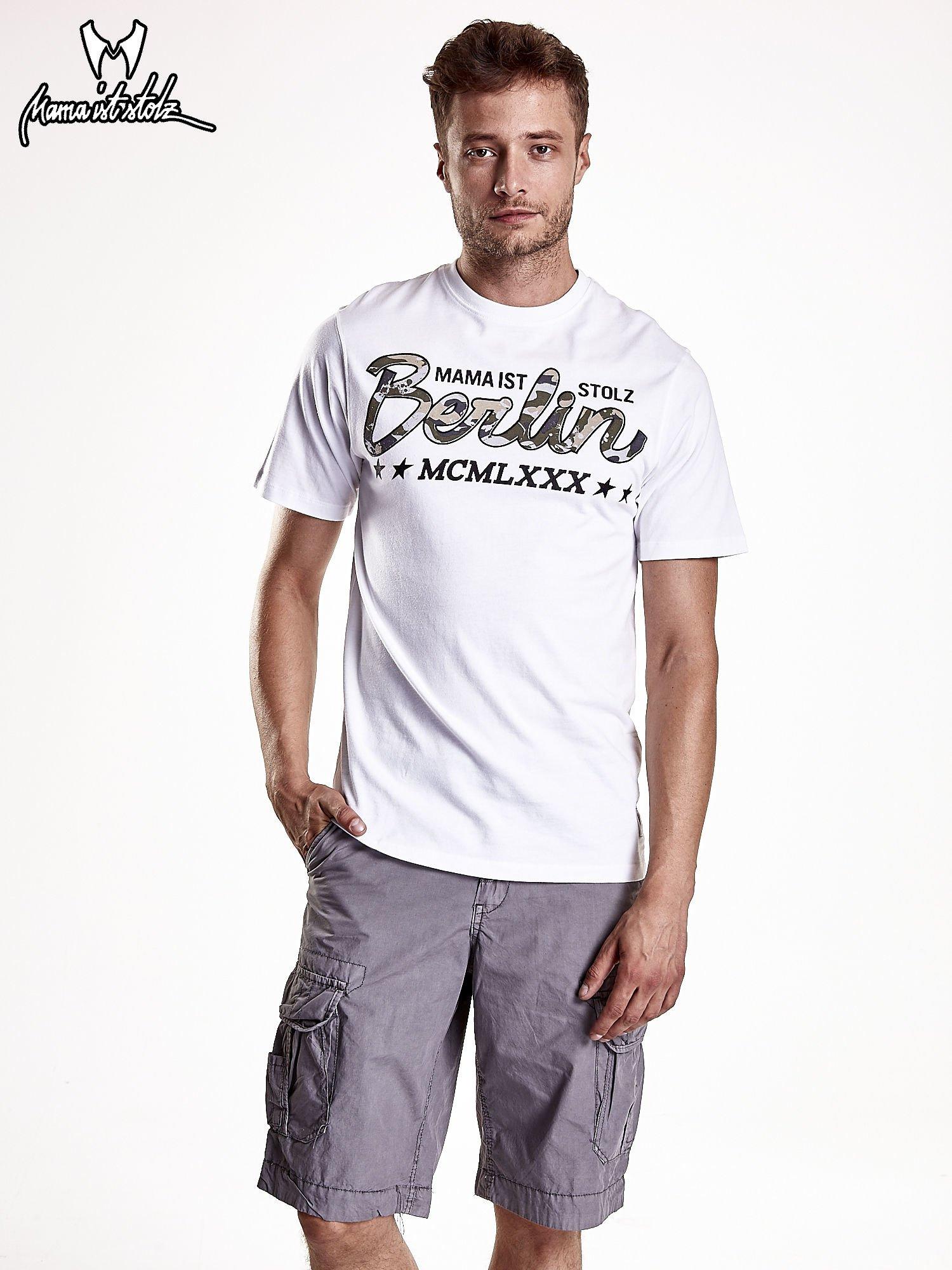 Biały t-shirt męski z nadrukiem moro                                  zdj.                                  2