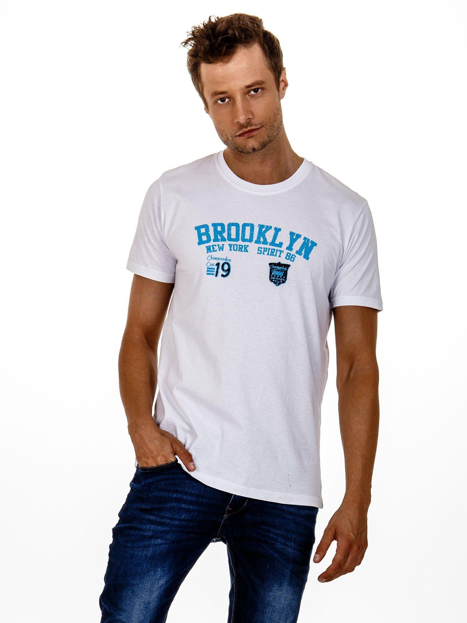 Biały t-shirt męski z napisami BROOKLYN NEW YORK SPIRIT 86                                  zdj.                                  2