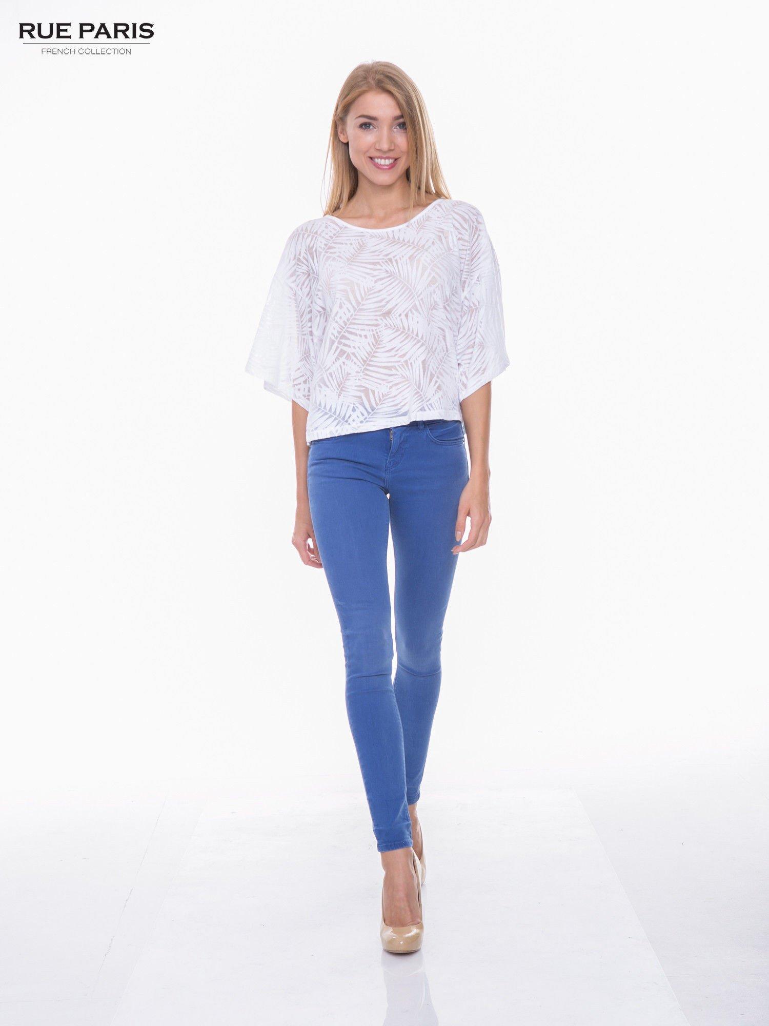 Biały t-shirt w transparentny nadruk palm o kimonowym kroju                                  zdj.                                  4