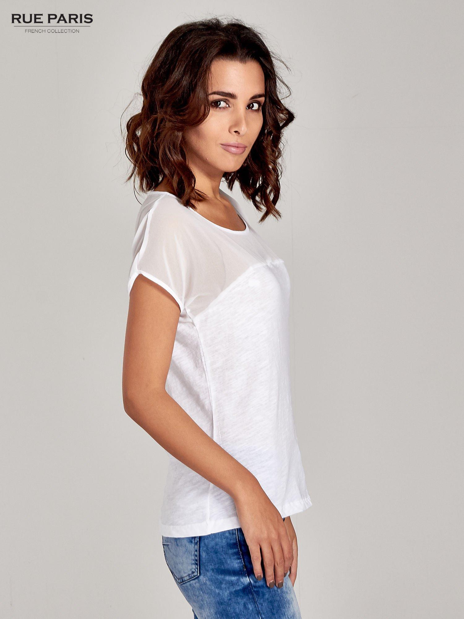 Biały t-shirt z górą mgiełką                                  zdj.                                  3