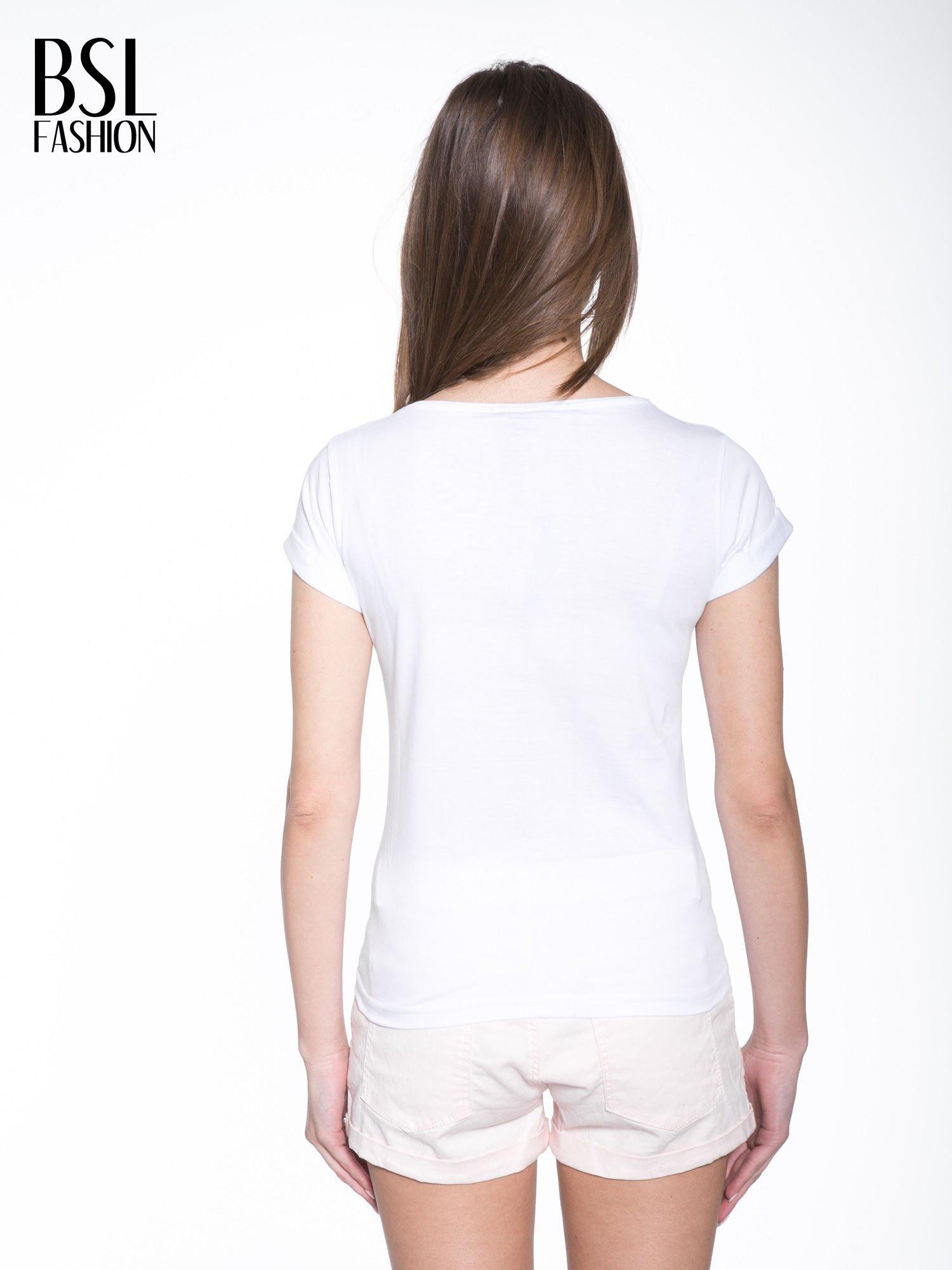 Biały t-shirt z nadrukiem HOMIES NEW YORK                                  zdj.                                  4