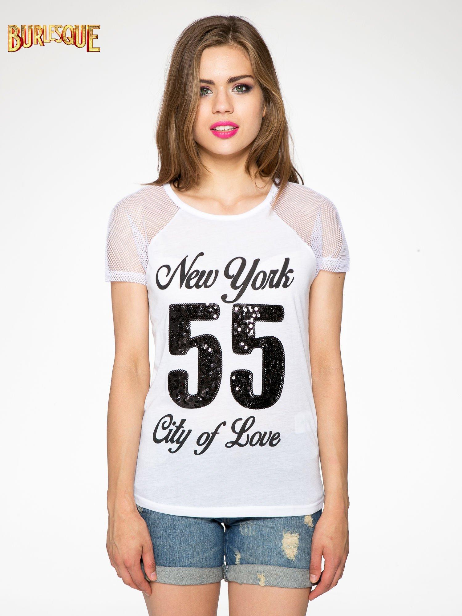 Biały t-shirt z nadrukiem NEW YORK 55 i siatkowymi rękawami                                  zdj.                                  11