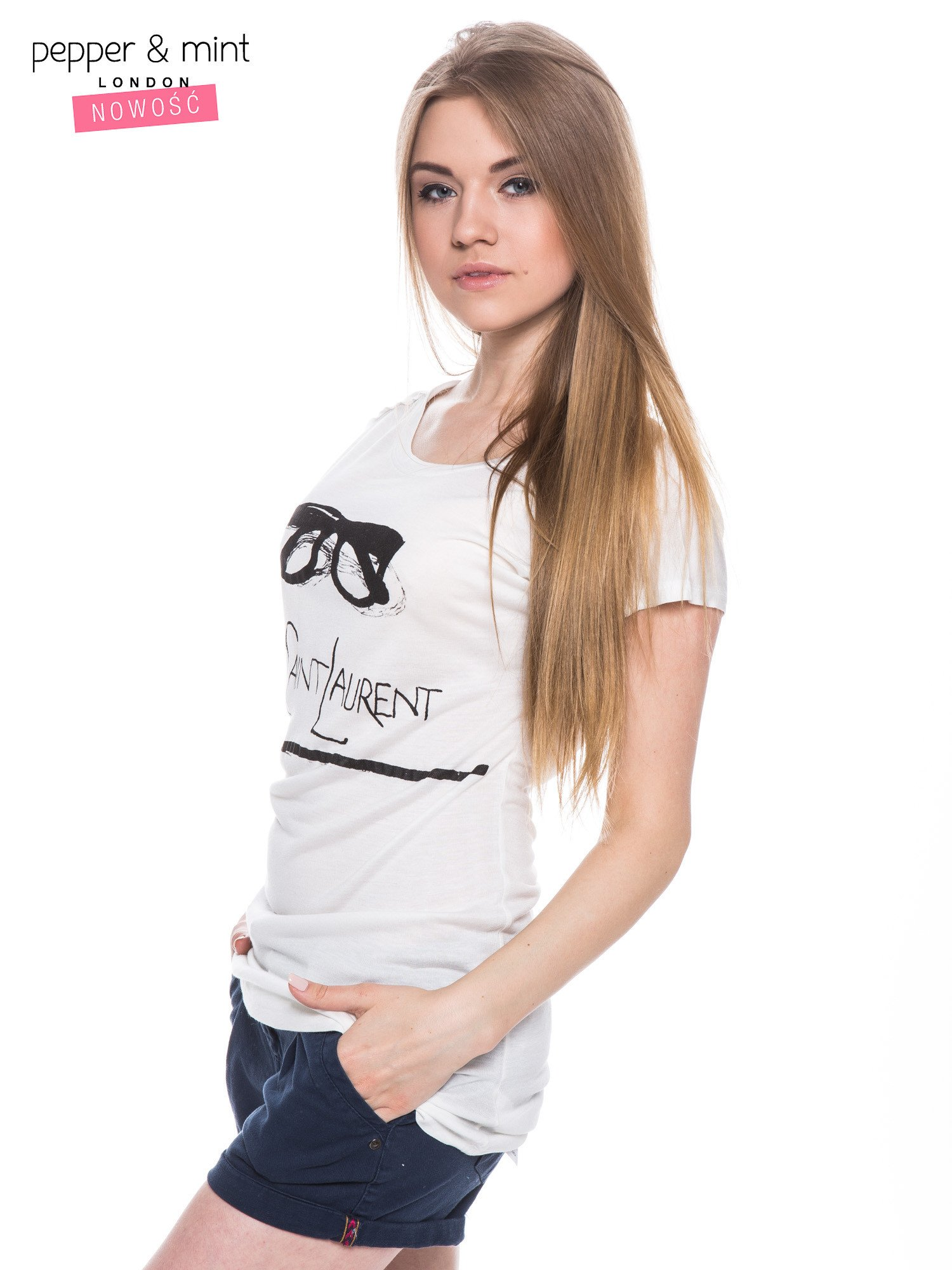 Biały t-shirt z nadrukiem YVES SAINT LAURENT                                  zdj.                                  2