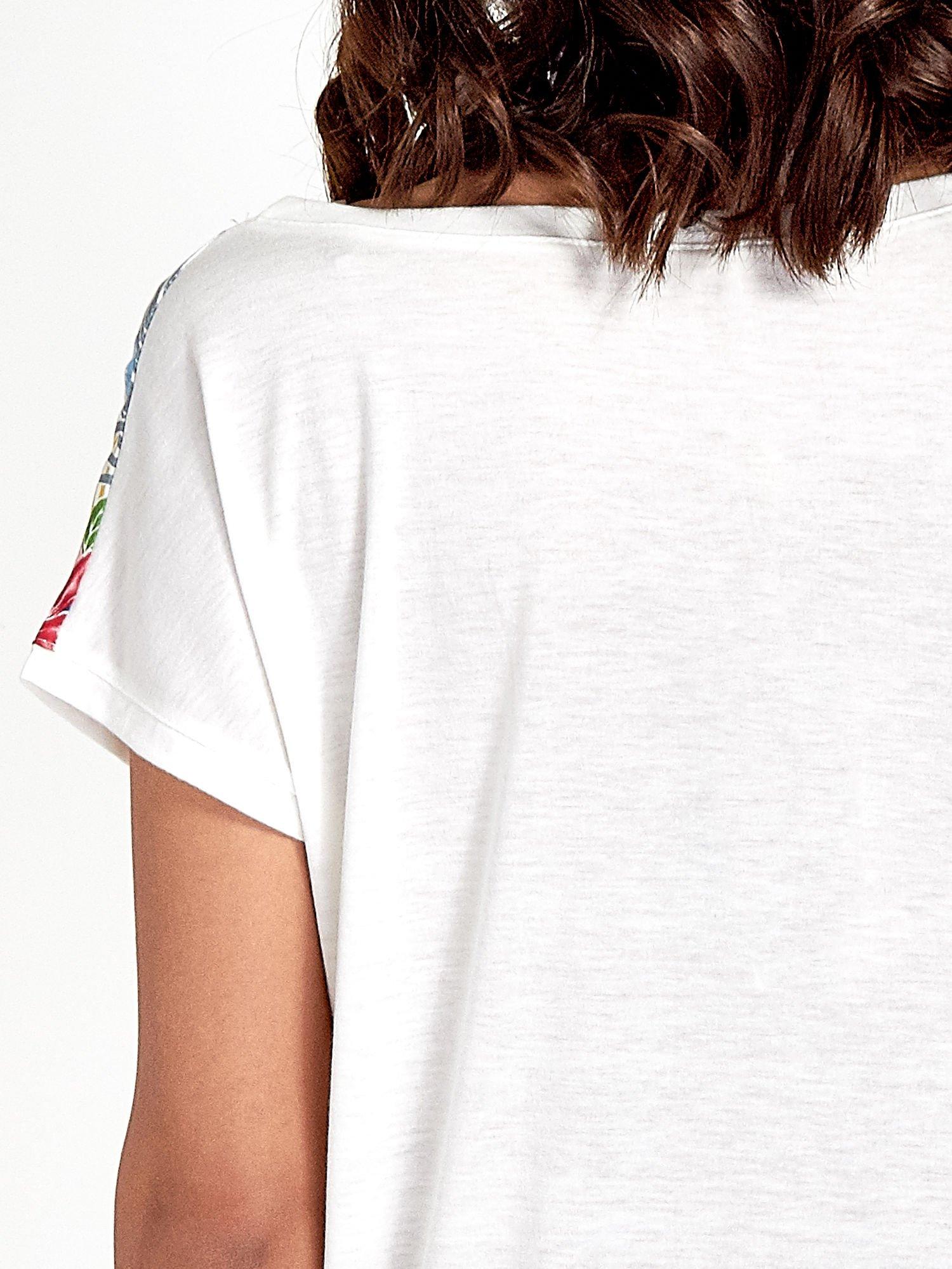 Biały t-shirt z nadrukiem kwiatowym                                  zdj.                                  6