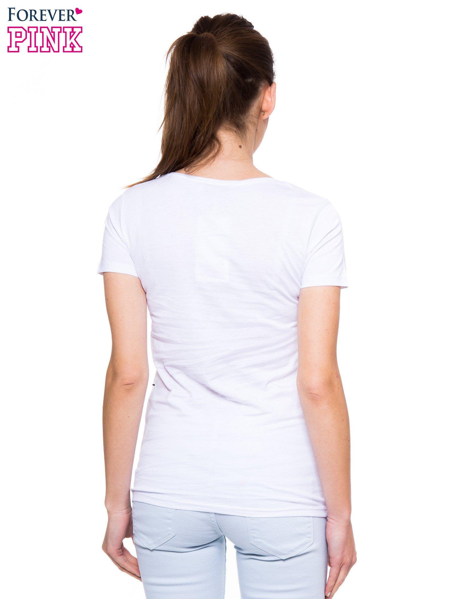 Biały t-shirt z nadrukiem ptaków i napisem LIFE IS BETTER WITH FRIENDS                                  zdj.                                  4