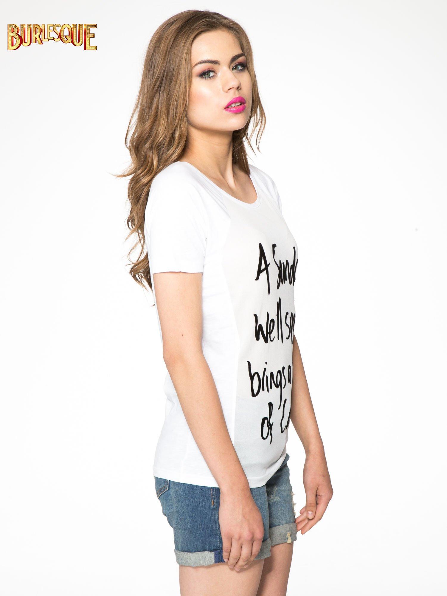 Biały t-shirt z napisem A SUNDAY                                  zdj.                                  3