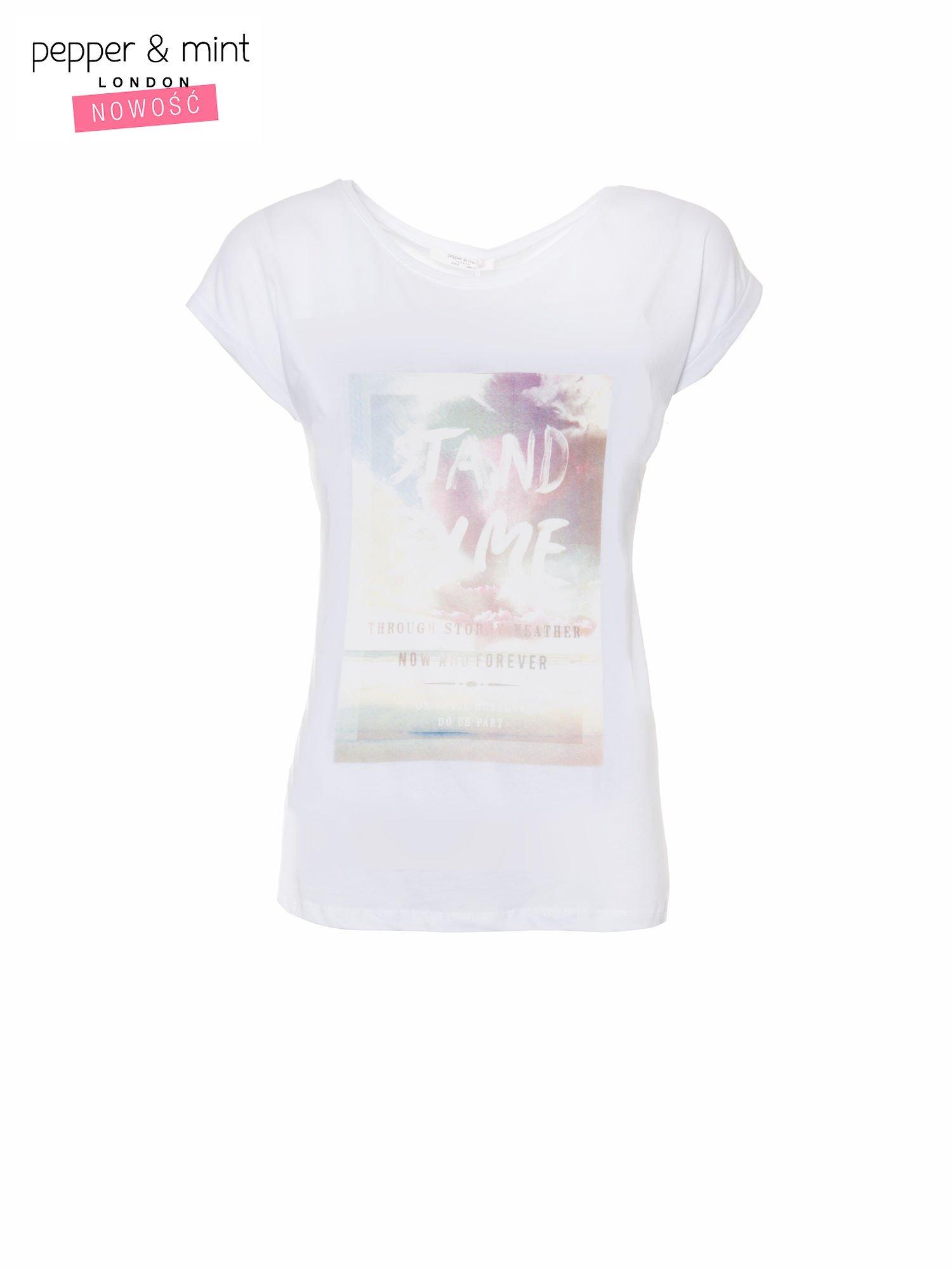 Biały t-shirt z napisem STAND BY ME                                  zdj.                                  2