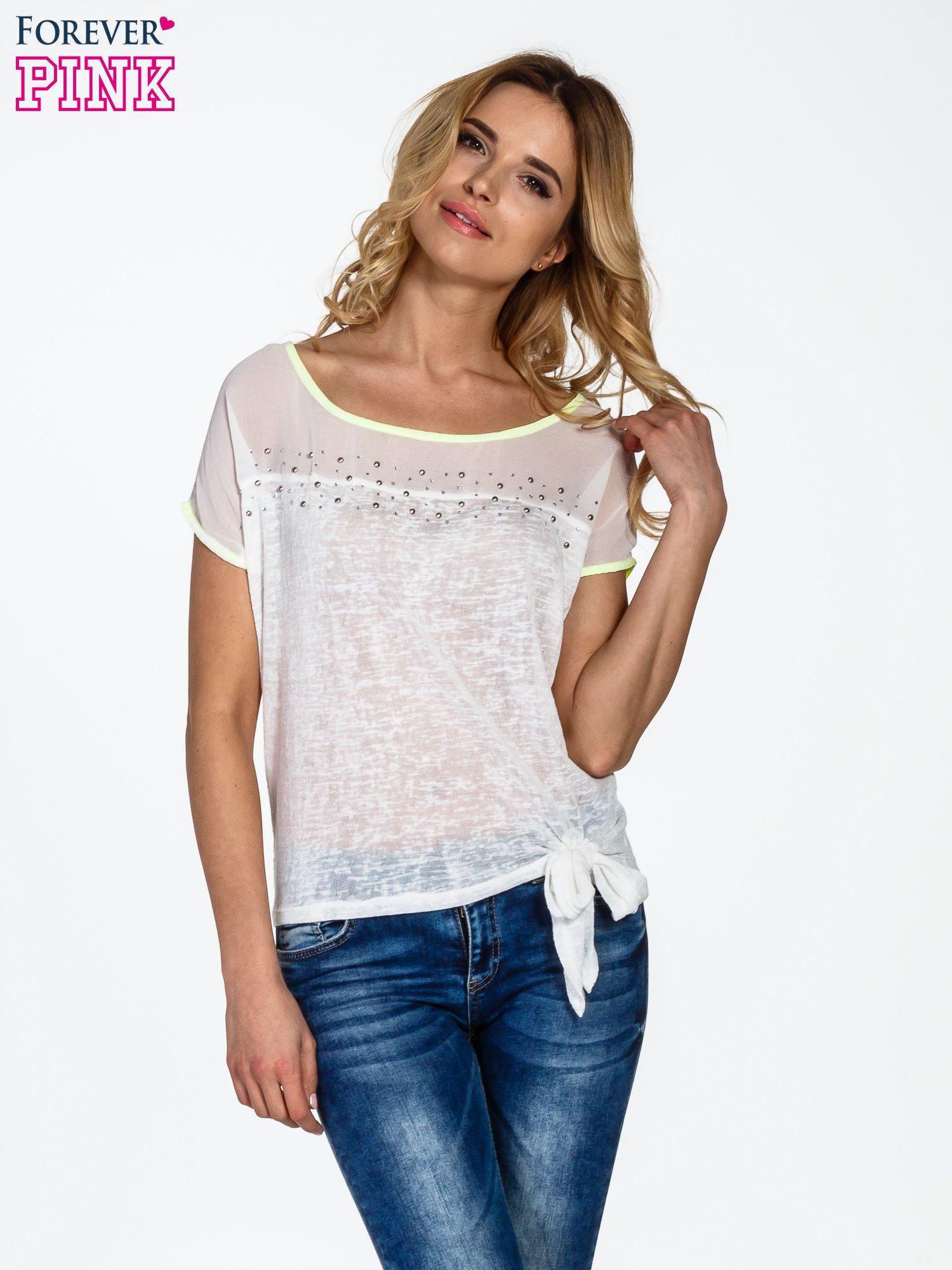 Biały t-shirt z wiązaniem z boku                                  zdj.                                  1