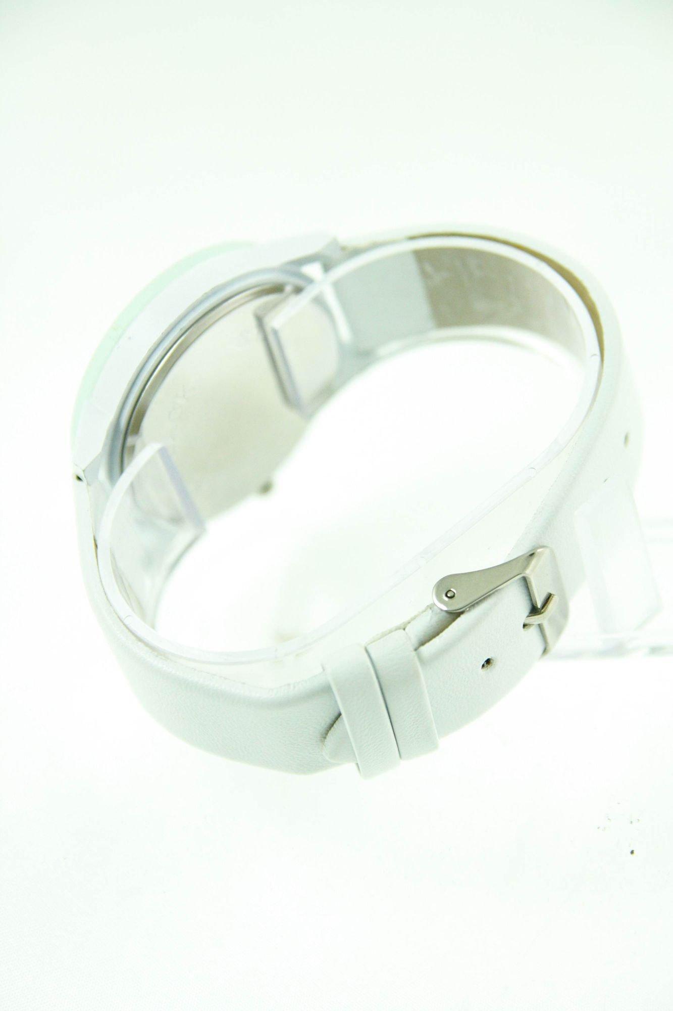 Biały zegarek damski z cyrkoniami na skórzanym pasku                                  zdj.                                  4