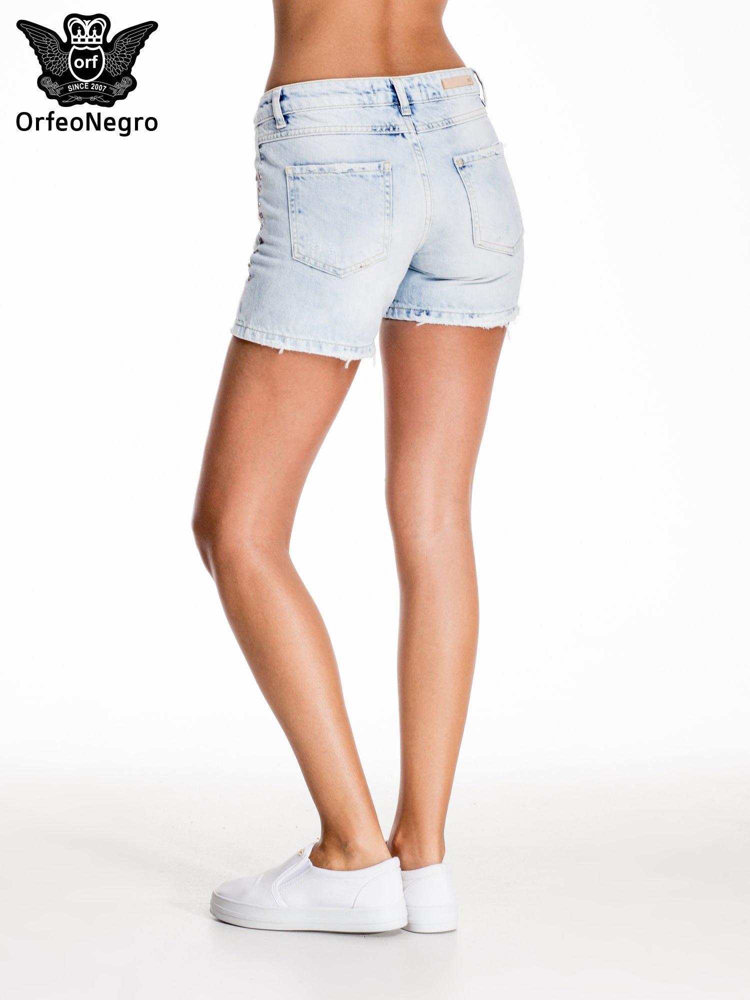 Błękitne jeansowe szorty z dżetami                                  zdj.                                  4
