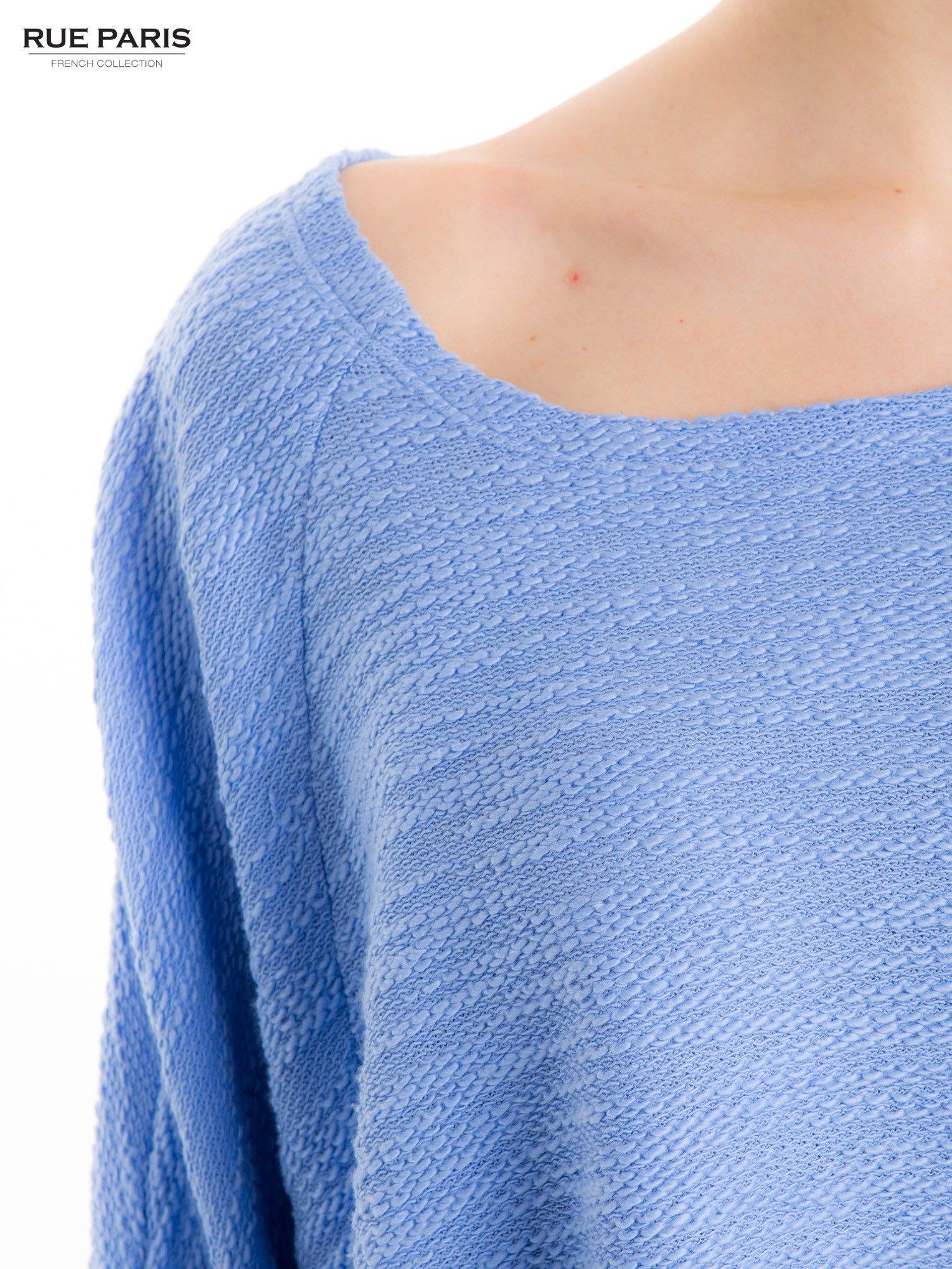 Bluzka o luźnym kroju w kolorze baby blue                                  zdj.                                  5