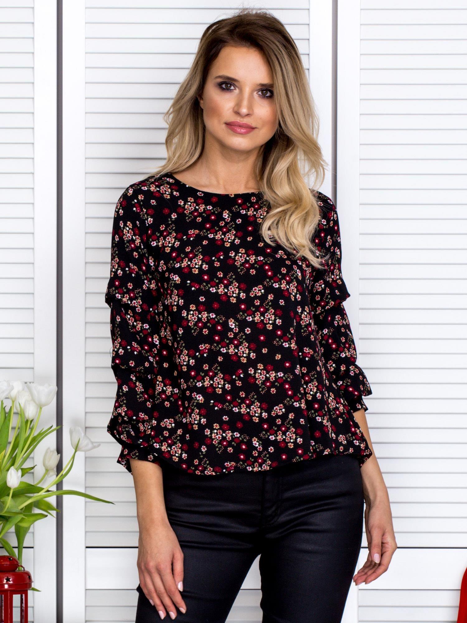 304e47812a77 Bluzka w drobne kwiatki z ozdobnymi falbankami na rękawach czarna ...