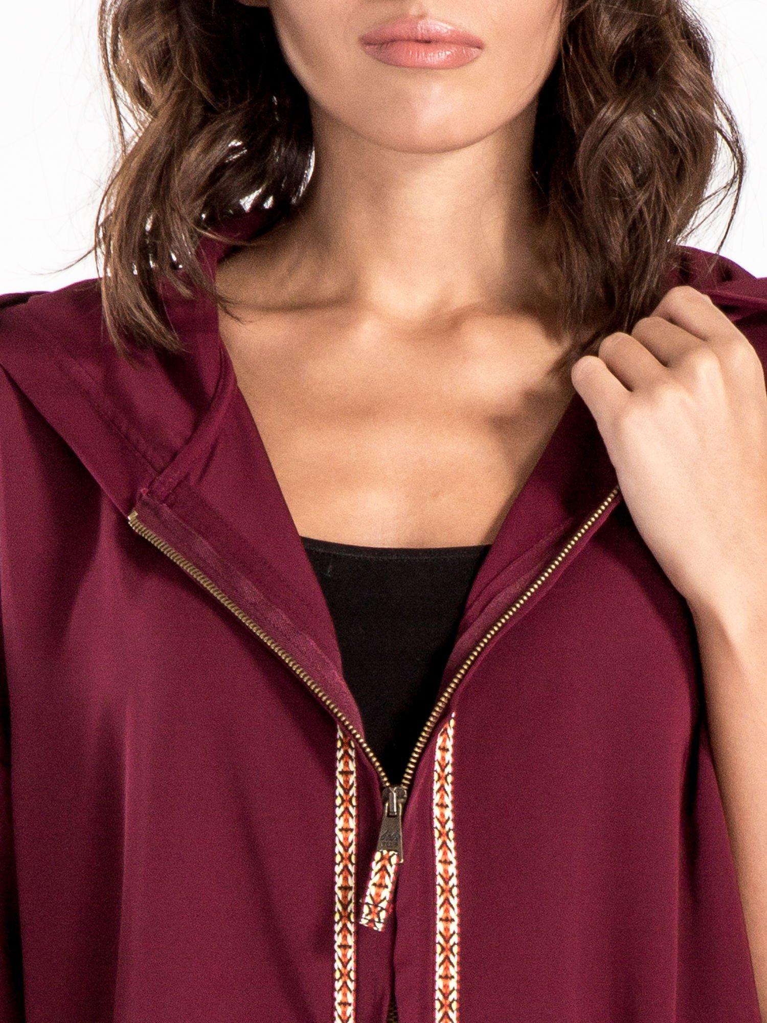 Bordowa bluza z kapturem w stylu boho                                  zdj.                                  5