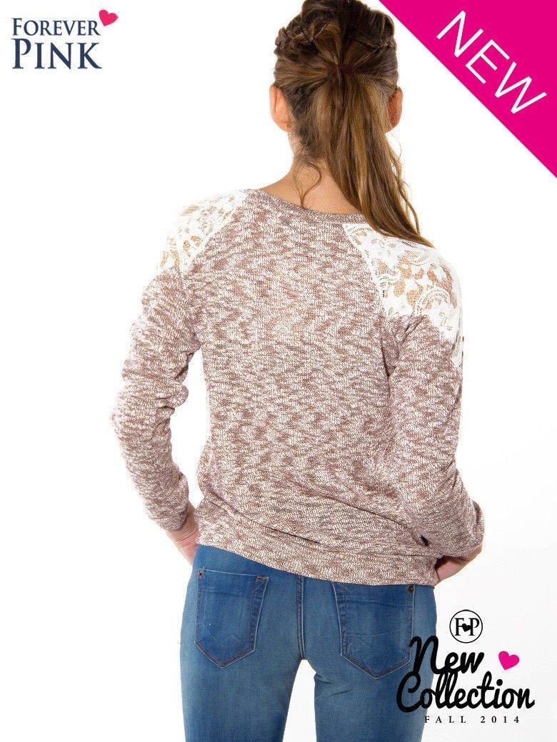 Bordowa bluza z koronkową aplikacją na ramionach                                  zdj.                                  2