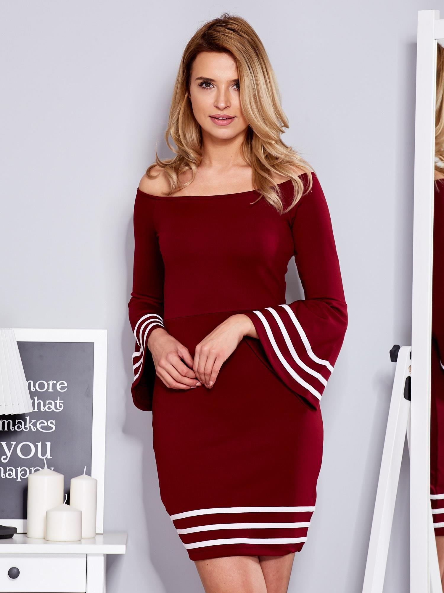 b87930b88a9792 Bordowa sukienka z szerokim rękawem - Sukienka koktajlowa - sklep ...